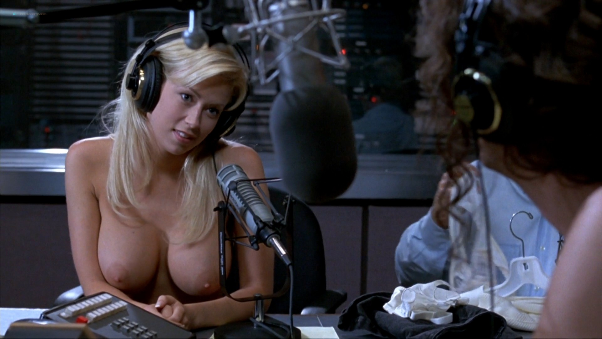 Melanie Good nude Jenna Jameson nude full frontal - Private Parts (1997) 1080p BluRay (19)
