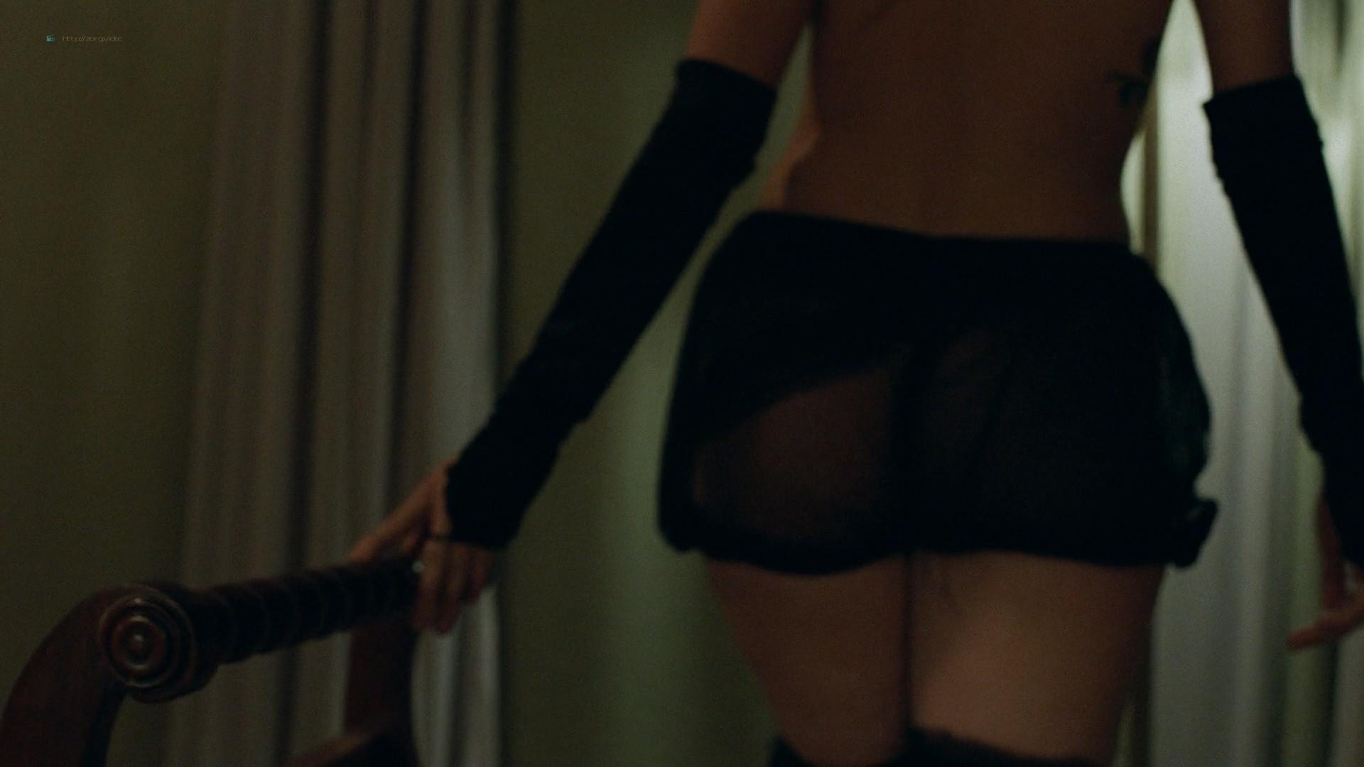 Trieste Kelly Dunn hot and Sarah Brooks nude sideboob - Girl on the Third Floor (2019) 1080 Web (7)