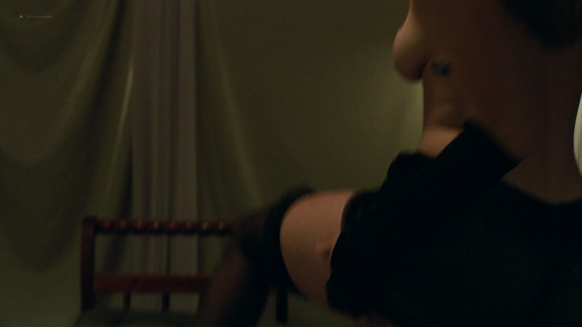 Trieste Kelly Dunn hot and Sarah Brooks nude sideboob - Girl on the Third Floor (2019) 1080 Web (5)
