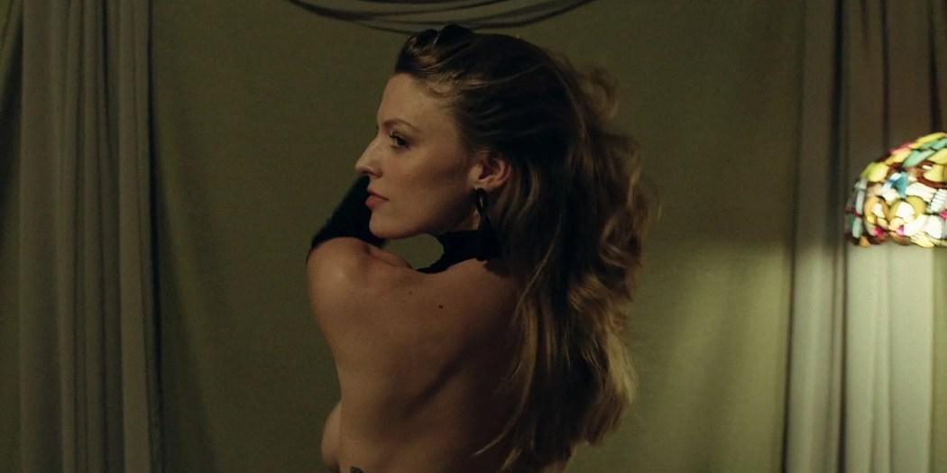 Trieste Kelly Dunn hot and Sarah Brooks nude sideboob - Girl on the Third Floor (2019) 1080 Web (3)