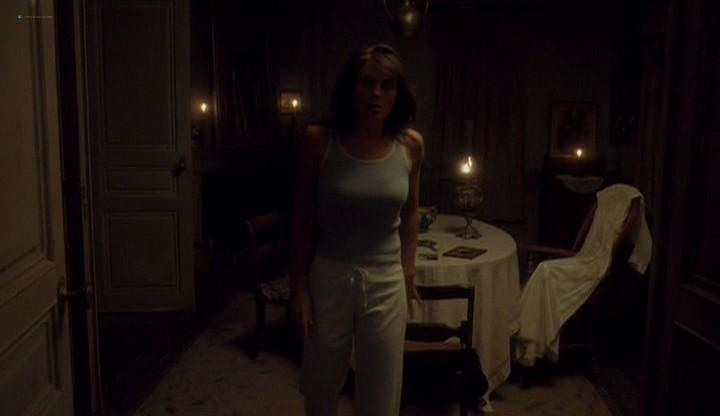 Elizabeth Hurley hot and sexy - Method (2004) (12)