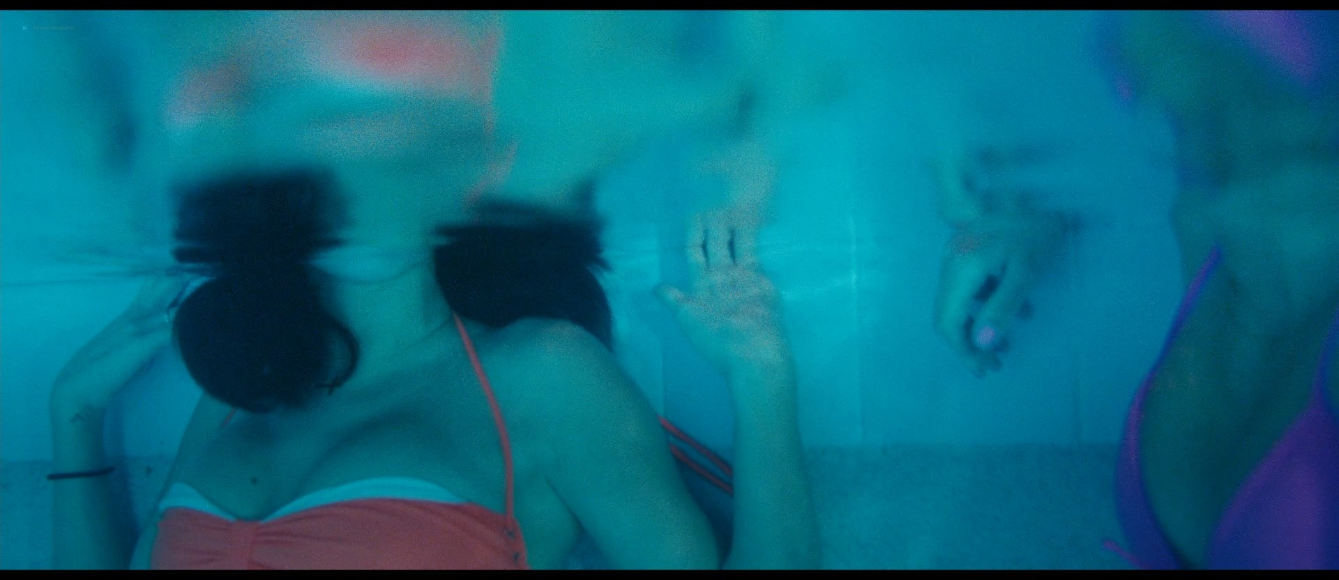 Ashley Benson nude skinny dipping others nude too - Spring Breakers (2012) HD 1080p BluRay (28)
