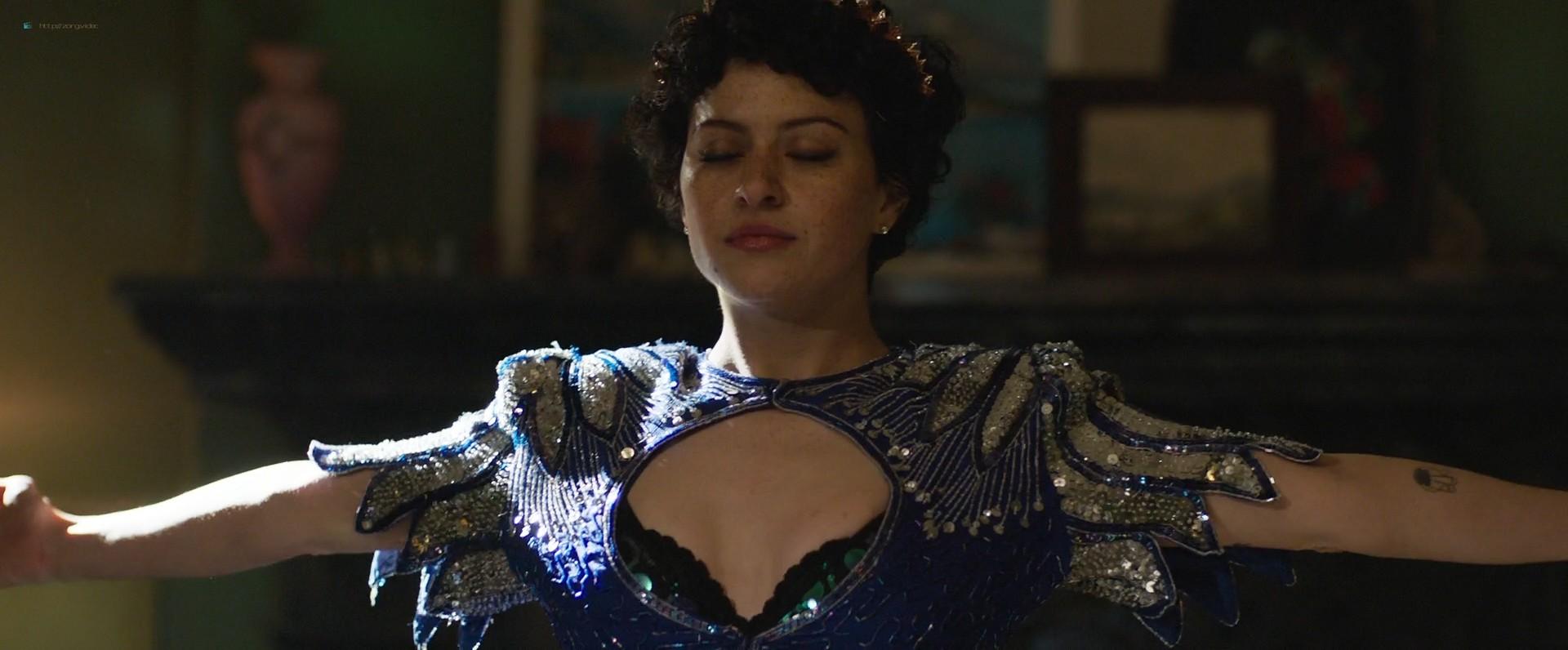 Holliday Grainger hot sex Amy Molloy nude Alia Shawkat sexy - Animals (2019) HD 1080p Web (7)
