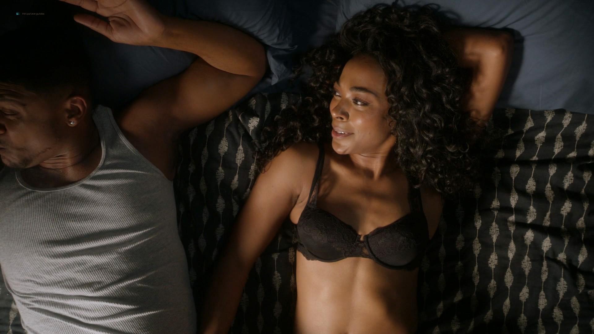 Louisa Krause nude side-boob Keren Dukes sexy - Ray Donovan (2019) s7e4 1080p (4)