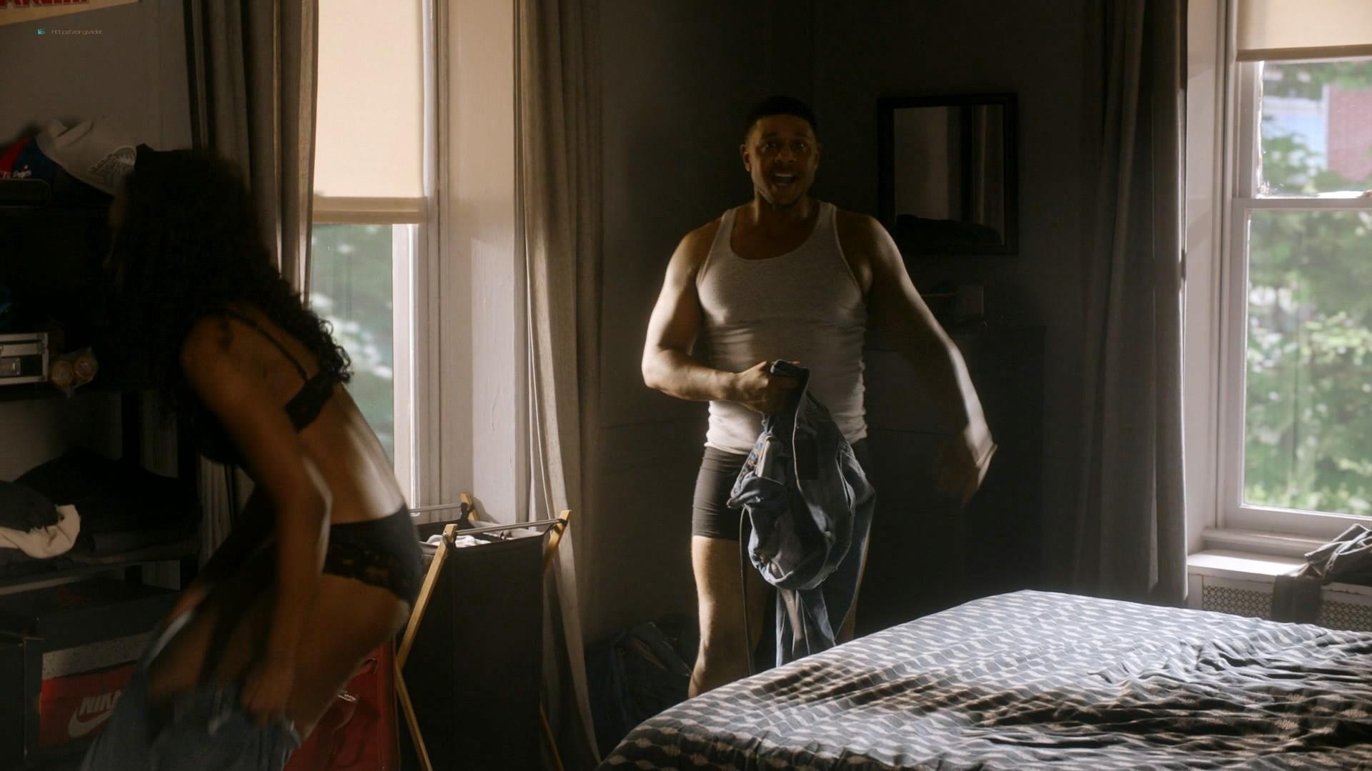 Louisa Krause nude side-boob Keren Dukes sexy - Ray Donovan (2019) s7e4 1080p (2)