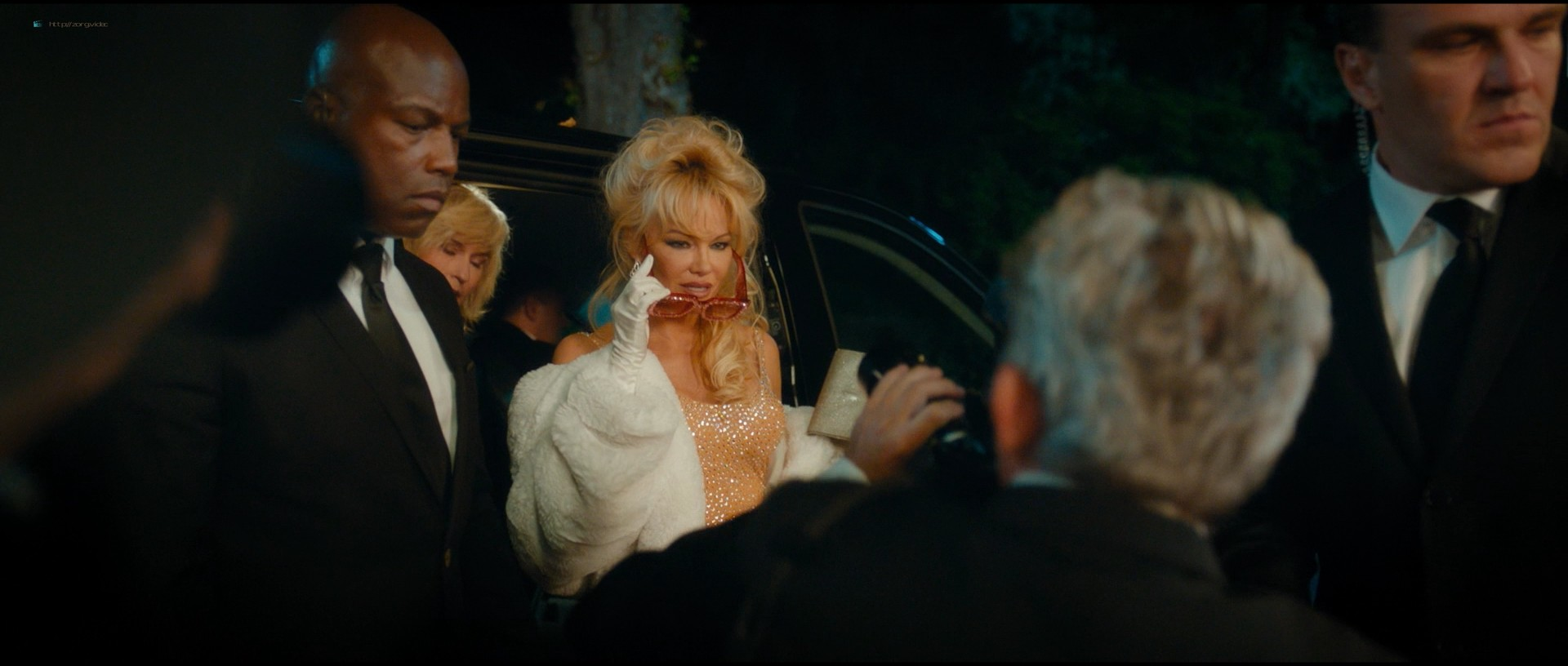 Pamela Anderson sexy Élodie Fontan and others hot - Nicky Larson et le parfum de Cupidon (2018) 1080p BluRay (14)