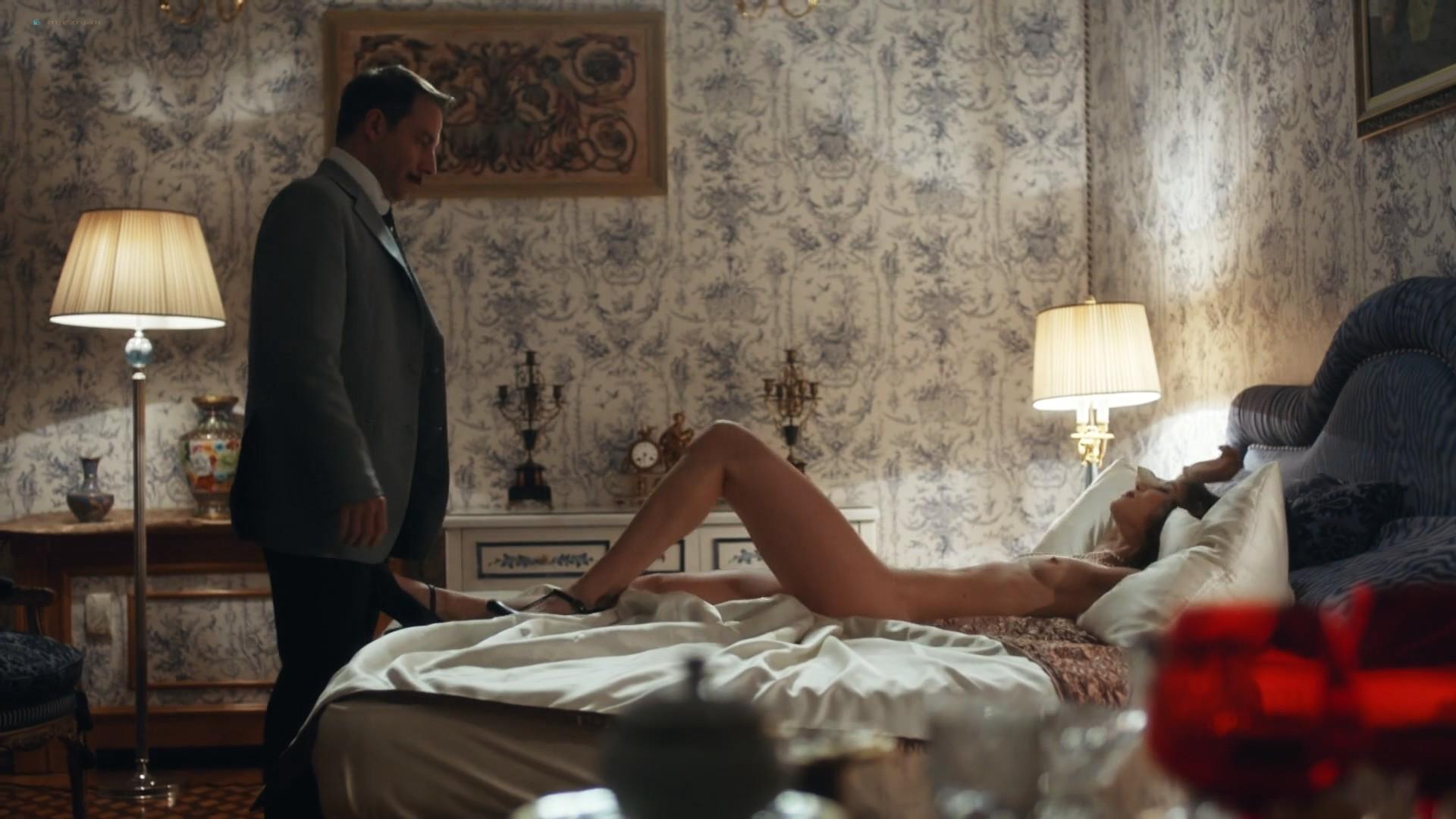 Jana Stojanovska nude sex Jovana Stojiljkovic and Marija Bergam sex - Black Sun (2017) s1e9-10 HD 1080p (10)