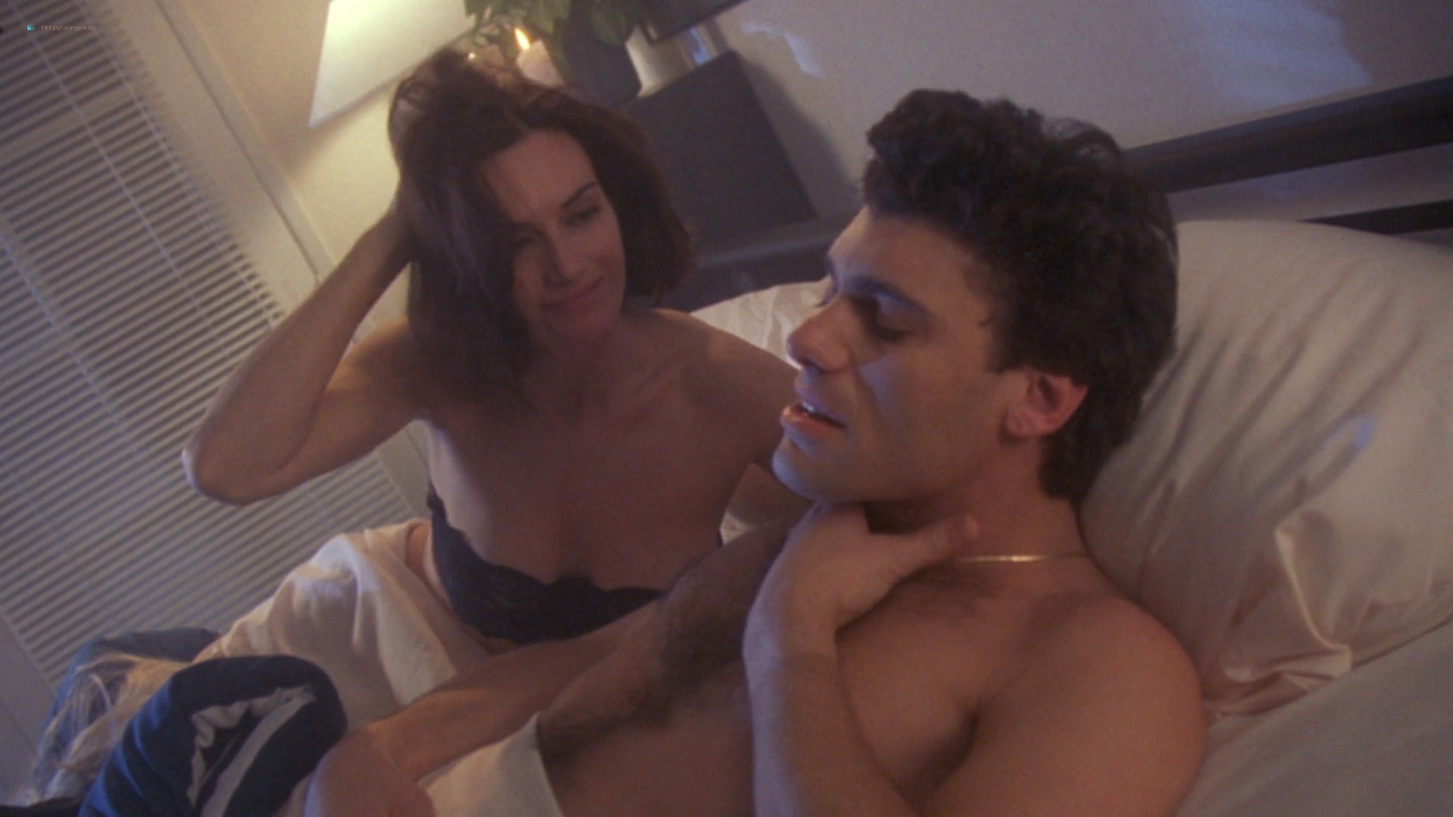 Pamela Anderson nude and hot sex Chelsea Field sexy - Snapdragon (1993) HD 1080p Web (18)