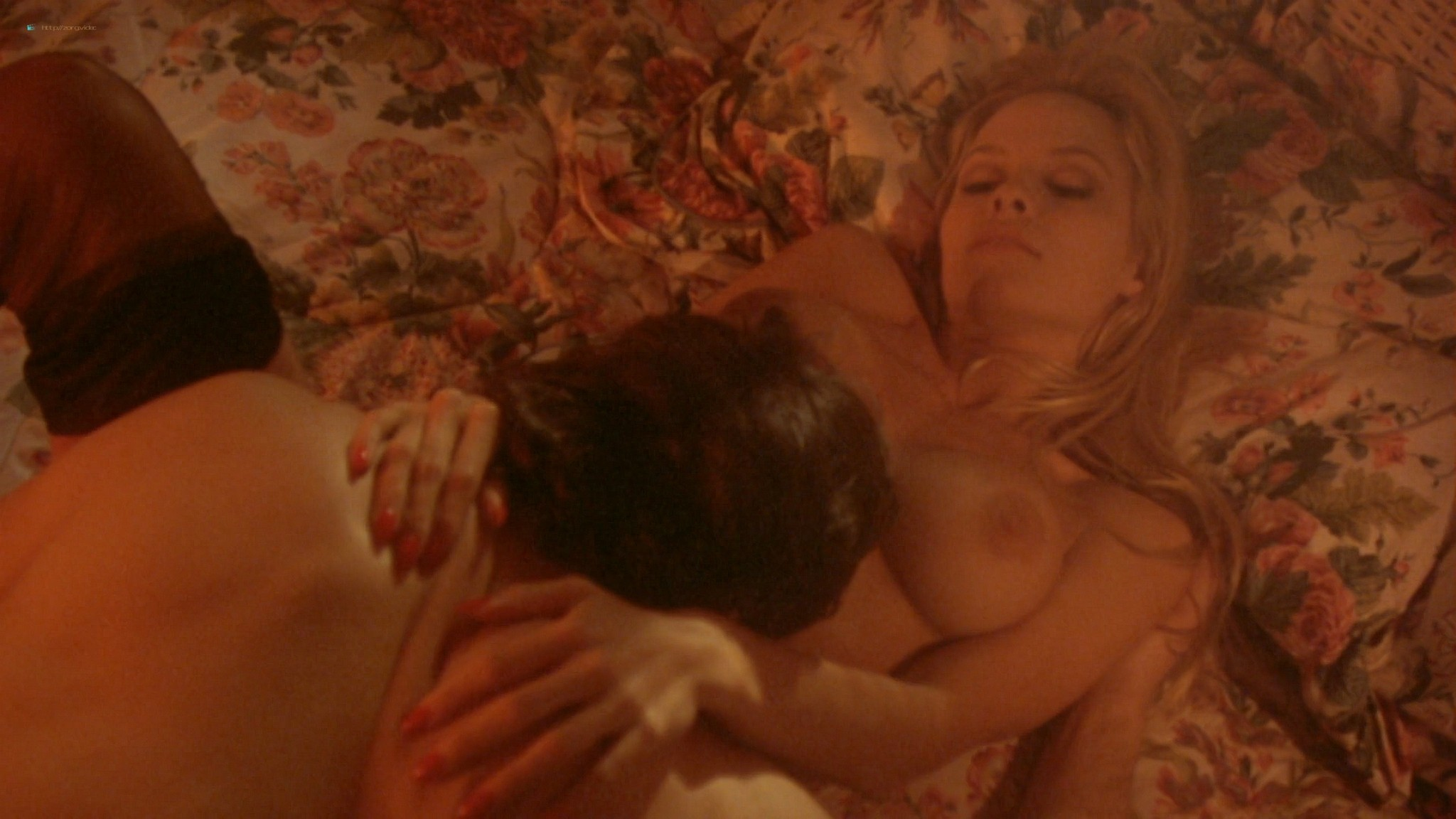 Pamela Anderson nude and hot sex Chelsea Field sexy - Snapdragon (1993) HD 1080p Web (2)
