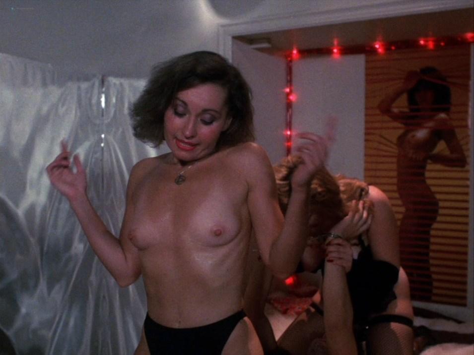 Hart nackt Veronica  Naked Veronica