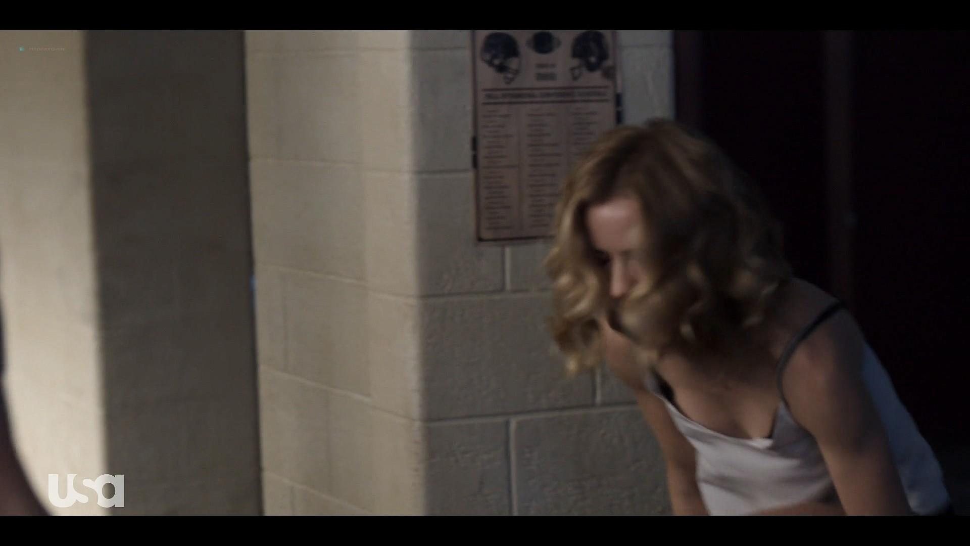 Willa Fitzgerald hot in lingerie Marlo Kelly, Herizen F. Guardiola sexy - Dare Me (2019) s1e4 HD 1080p (11)