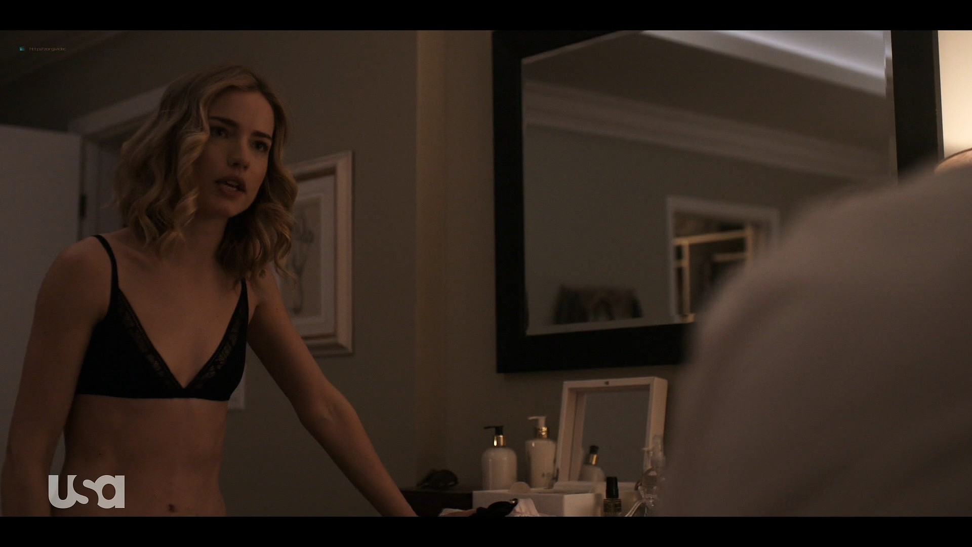Willa Fitzgerald hot in lingerie Marlo Kelly, Herizen F. Guardiola sexy - Dare Me (2019) s1e4 HD 1080p (4)