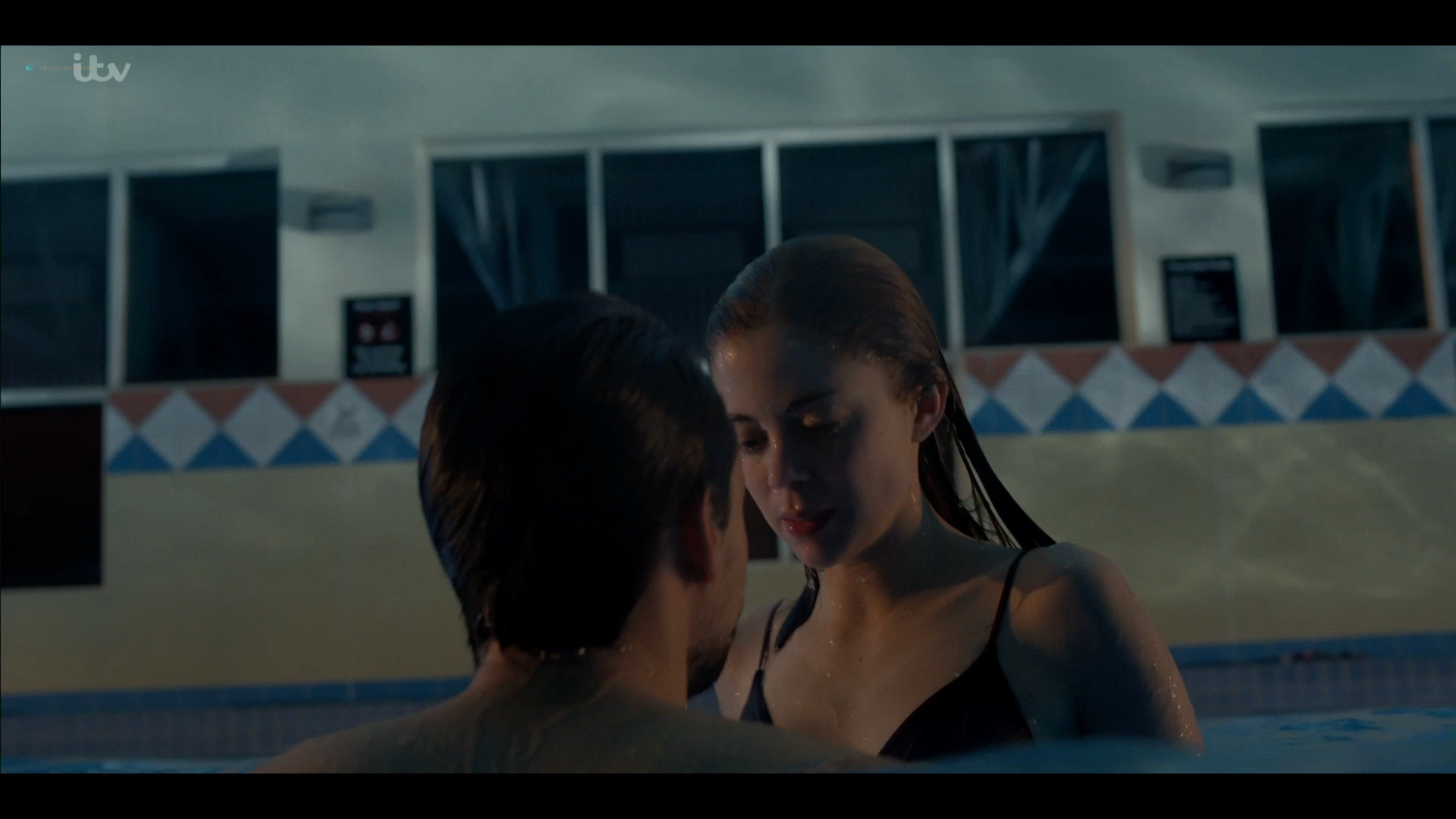 Charlotte Hope nude and sex in the pool - Bancroft (2019) s2e1 HD 1080p (14)
