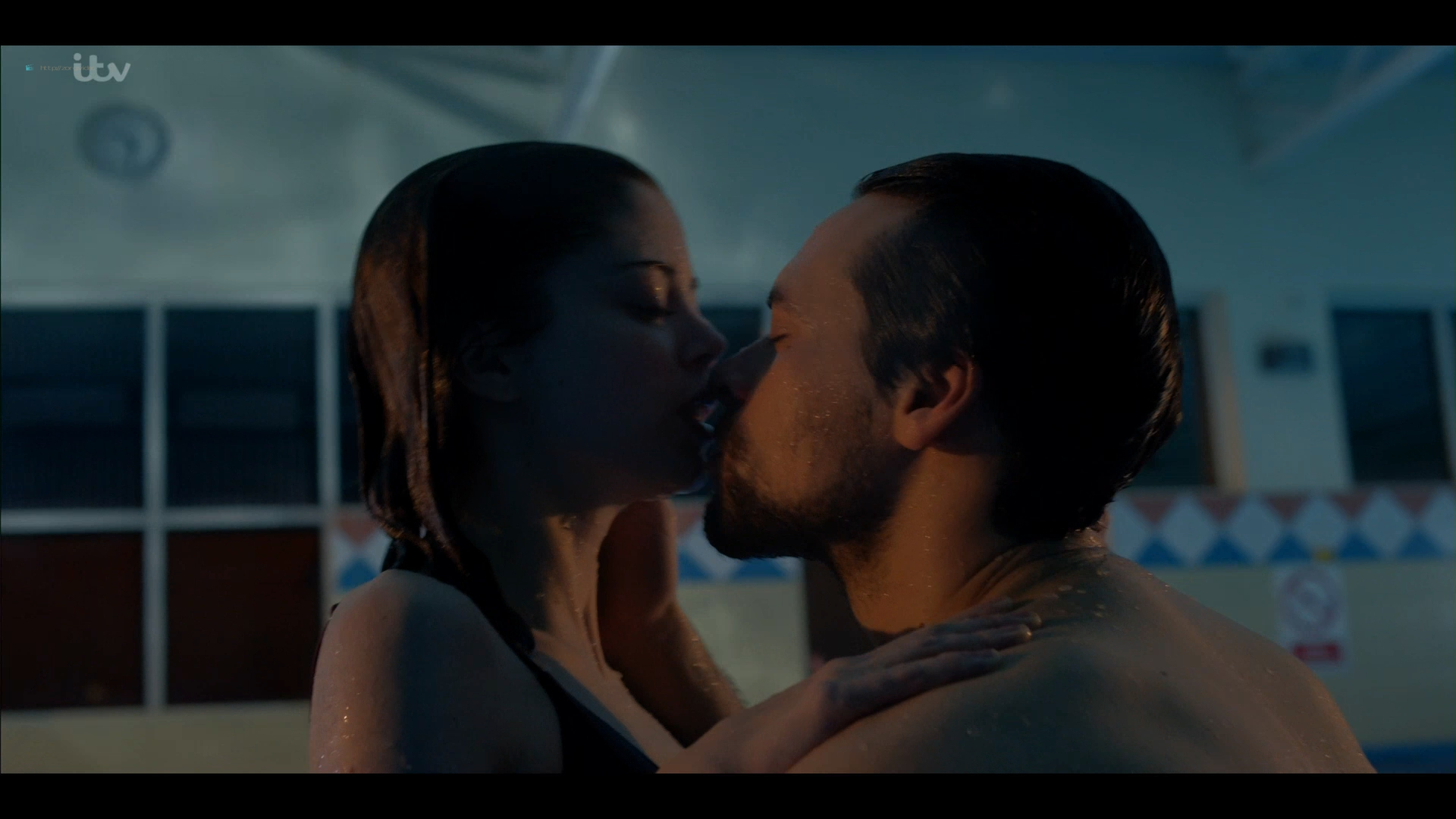 Charlotte Hope nude and sex in the pool - Bancroft (2019) s2e1 HD 1080p (13)