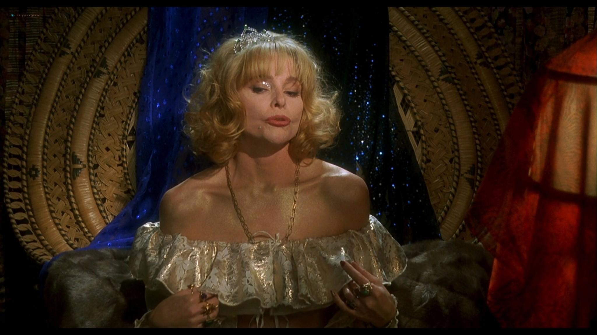 Joey Lauren Adams nude Priscilla Barnes nude topless - Mallrats (1995) HD 1080p BluRay (11)