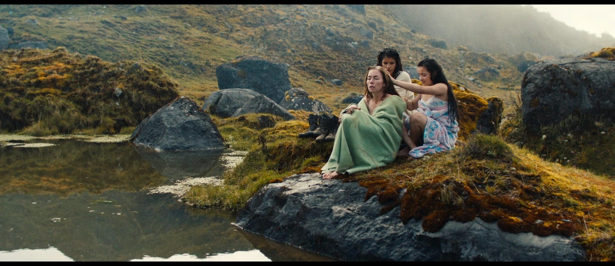 Julianne Nicholson pokies Karen Quintero, Laura Castrillón sexy - Monos (2019) HD 1080p BluRay (15)