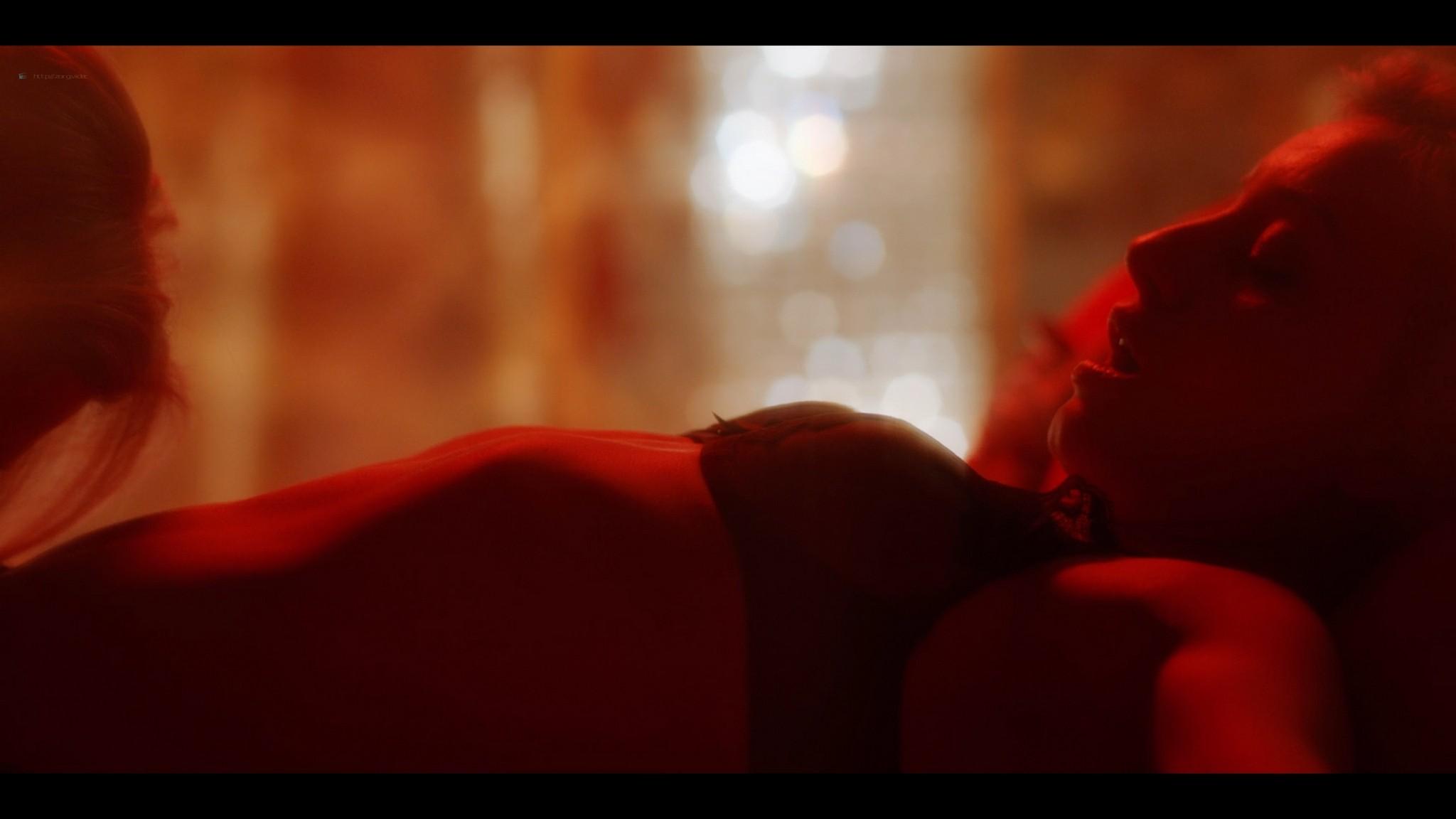 Anne-Laure Vandeputte nude topless Nienke van Hofslot nude sex etc - Women of the Night (2019) s1e7-10 HD 1080p (10)