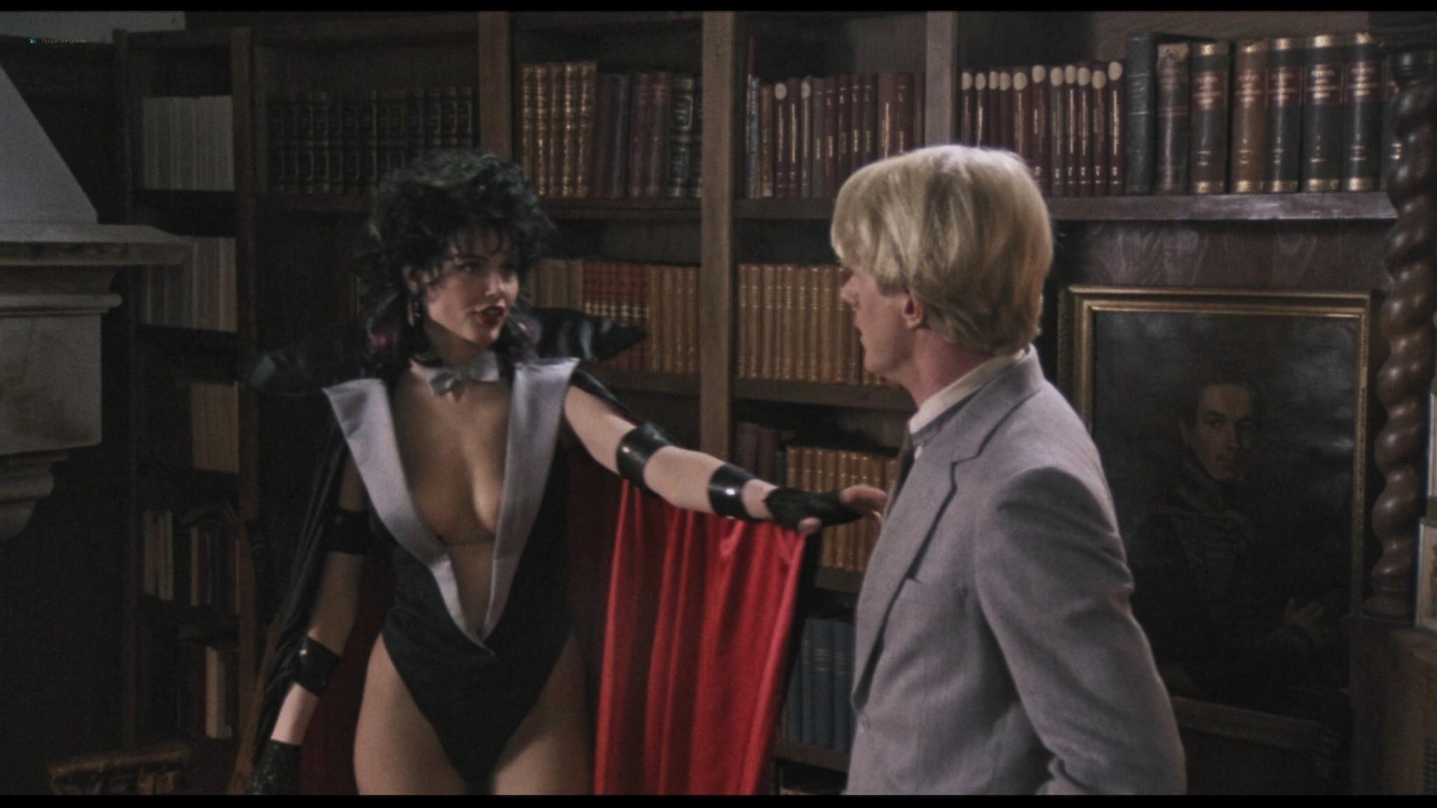Geena Davis hot and sexy Ksenia Prohaska sexy - Transylvania 6-5000 (1985) HD 1080p BluRay (15)