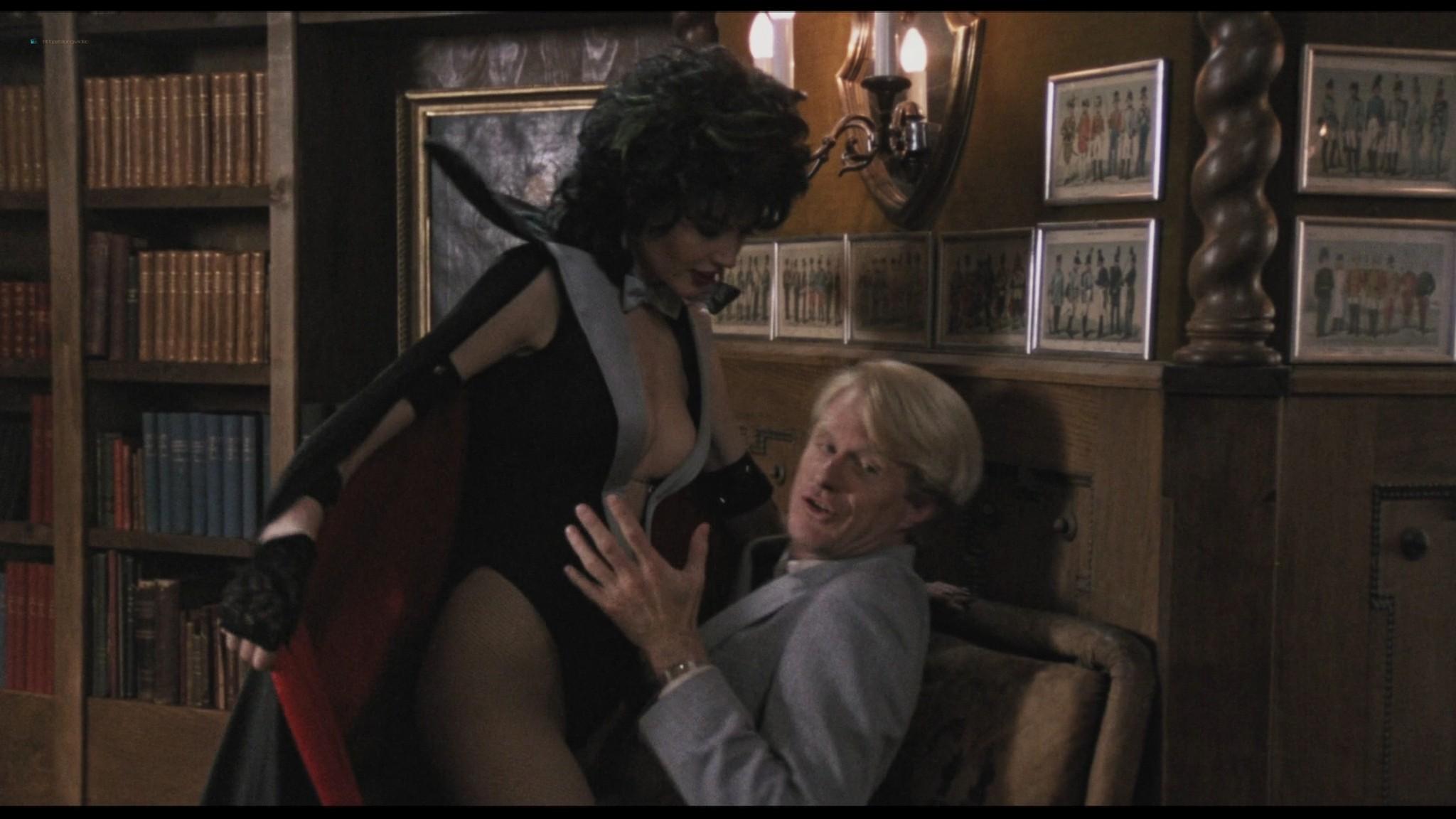 Geena Davis hot and sexy Ksenia Prohaska sexy - Transylvania 6-5000 (1985) HD 1080p BluRay (14)