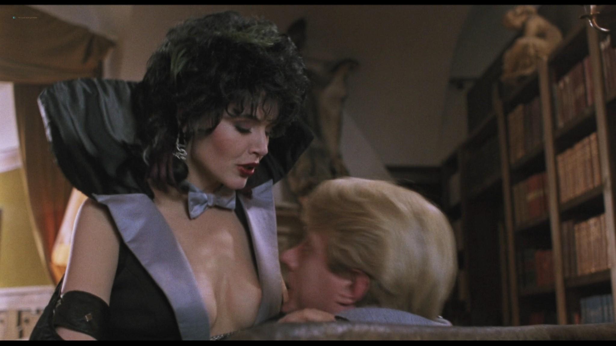 Geena Davis hot and sexy Ksenia Prohaska sexy - Transylvania 6-5000 (1985) HD 1080p BluRay (13)