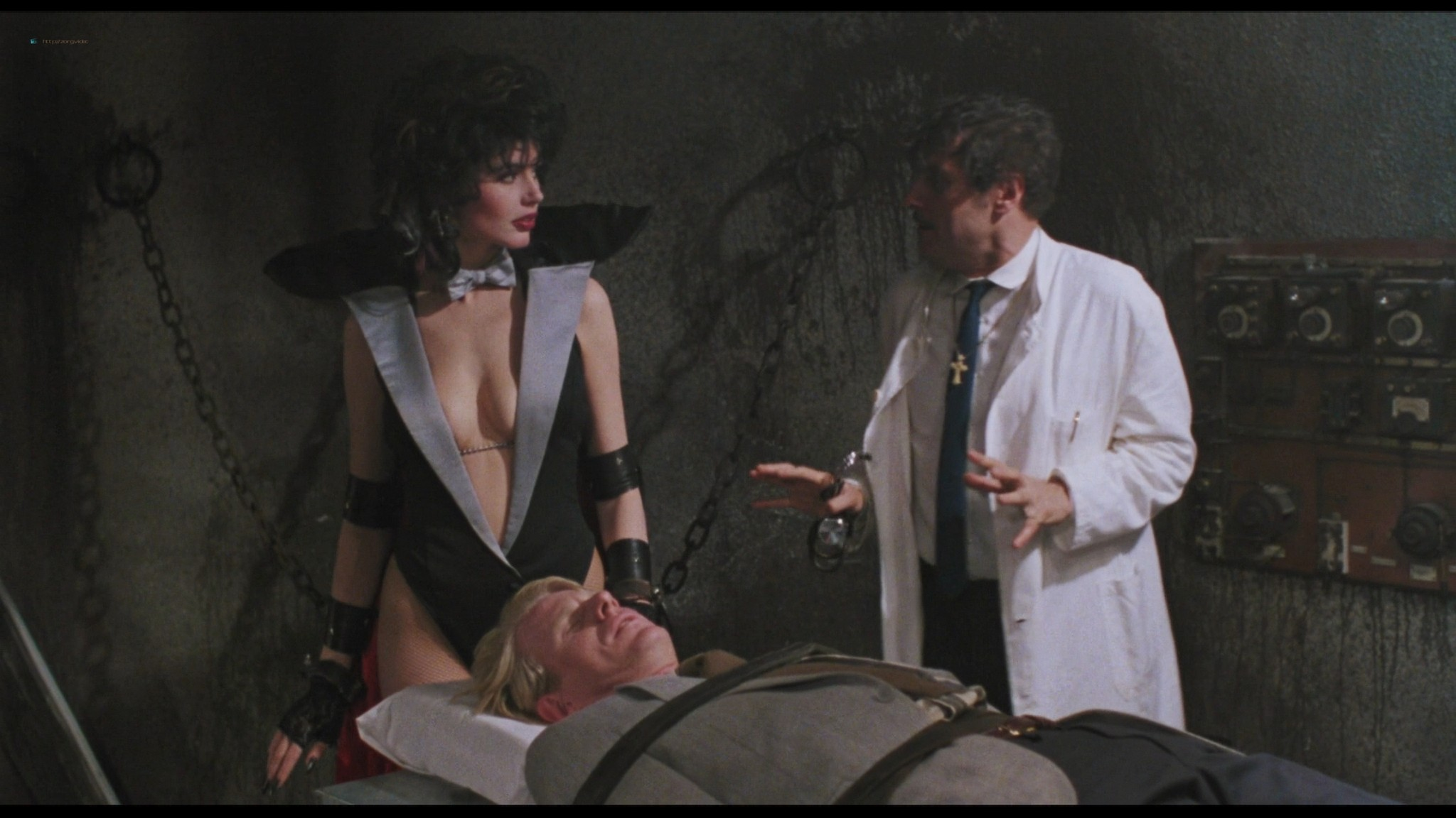 Geena Davis hot and sexy Ksenia Prohaska sexy - Transylvania 6-5000 (1985) HD 1080p BluRay (8)