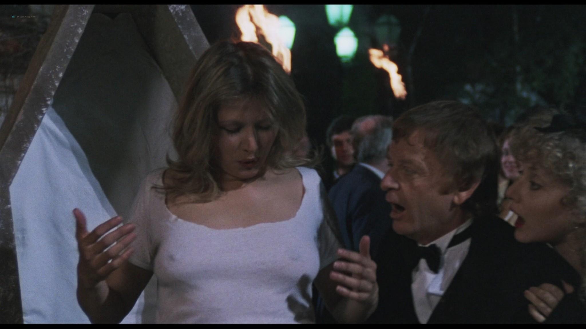 Geena Davis hot and sexy Ksenia Prohaska sexy - Transylvania 6-5000 (1985) HD 1080p BluRay (4)