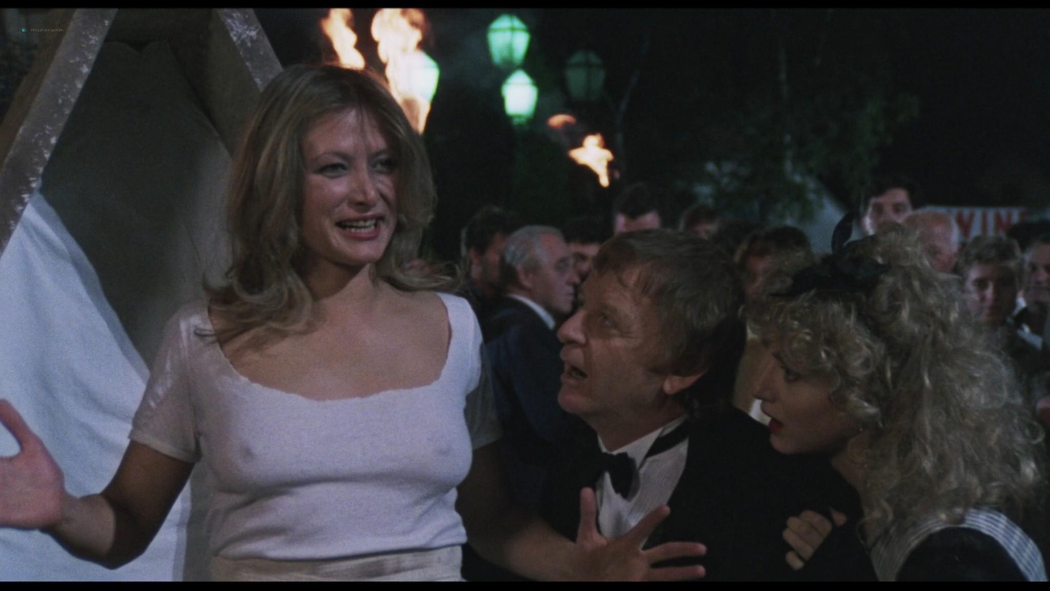 Geena Davis hot and sexy Ksenia Prohaska sexy - Transylvania 6-5000 (1985) HD 1080p BluRay (3)