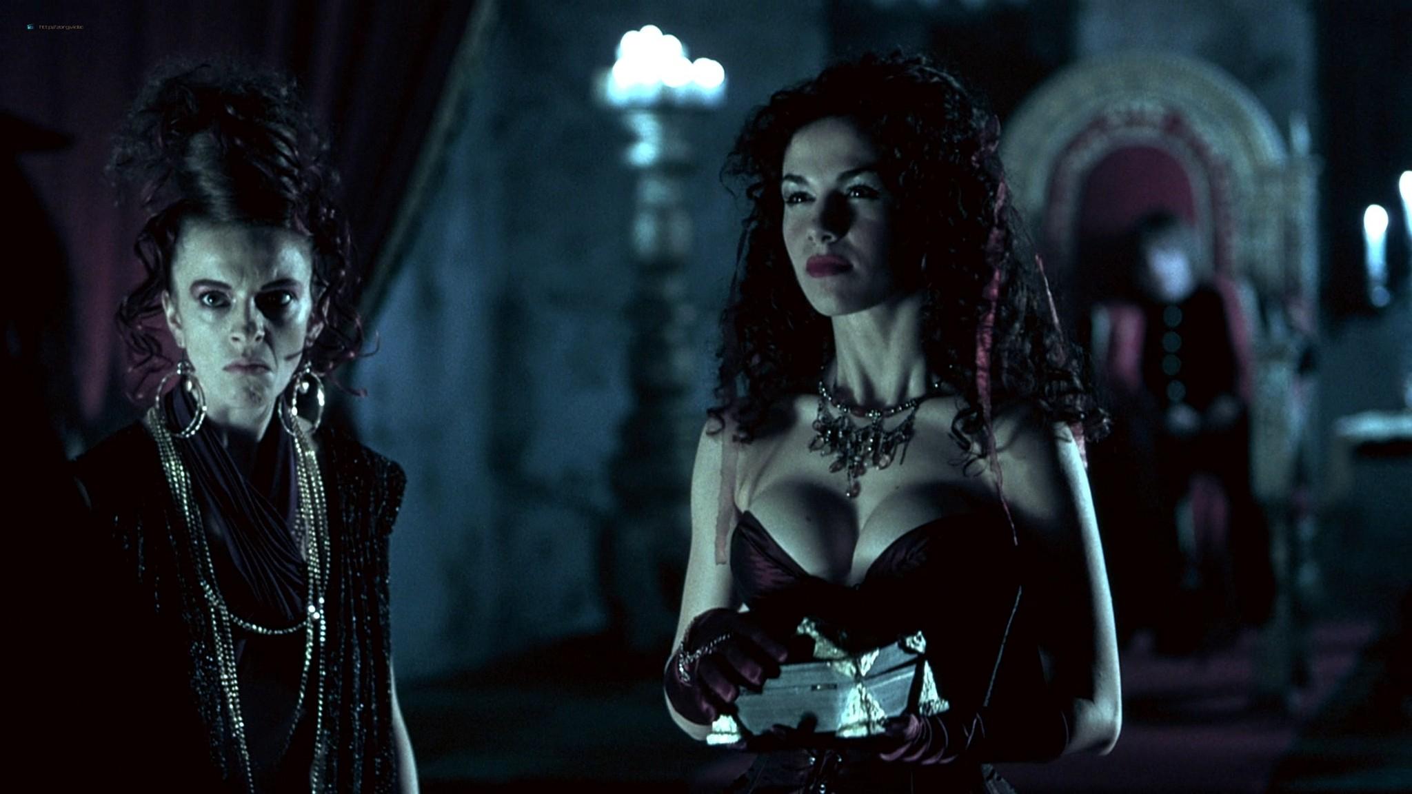 Jennifer Lyons hot Simon Petric, Desiree Malonga and others nude - Transylmania (2009) HD 1080p BluRay (r) (16)
