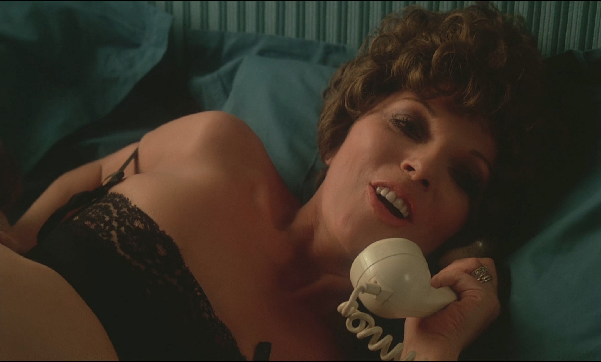 Joan Collins nude sex Annie Ross nude and sex too - Oh, Alfie! (1975) HD 1080p BluRay (10)