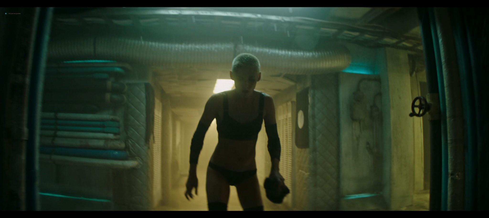 Kristen Stewart sexy Jessica Henwick hot Underwater 2020 HD 1080p BLuRay REMUX 11