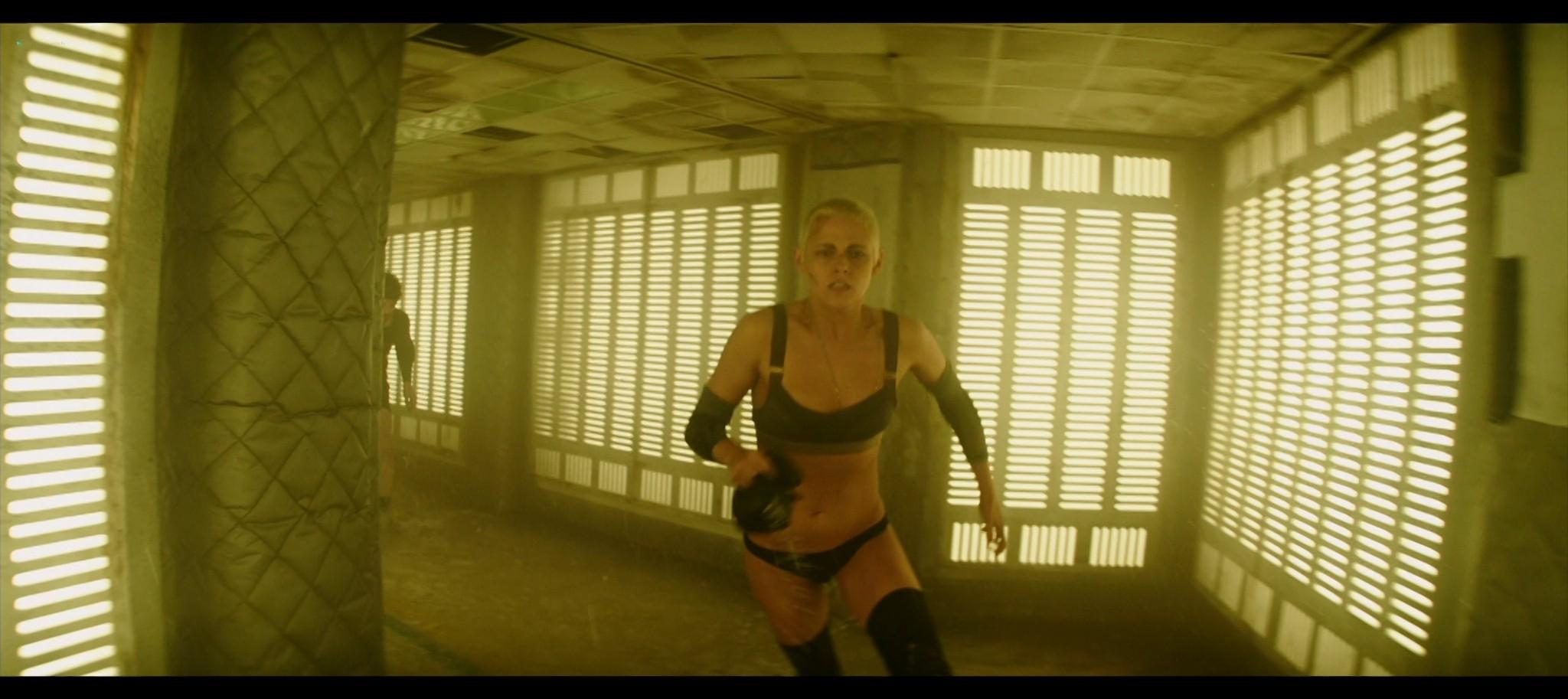Kristen Stewart sexy Jessica Henwick hot Underwater 2020 HD 1080p BLuRay REMUX 15