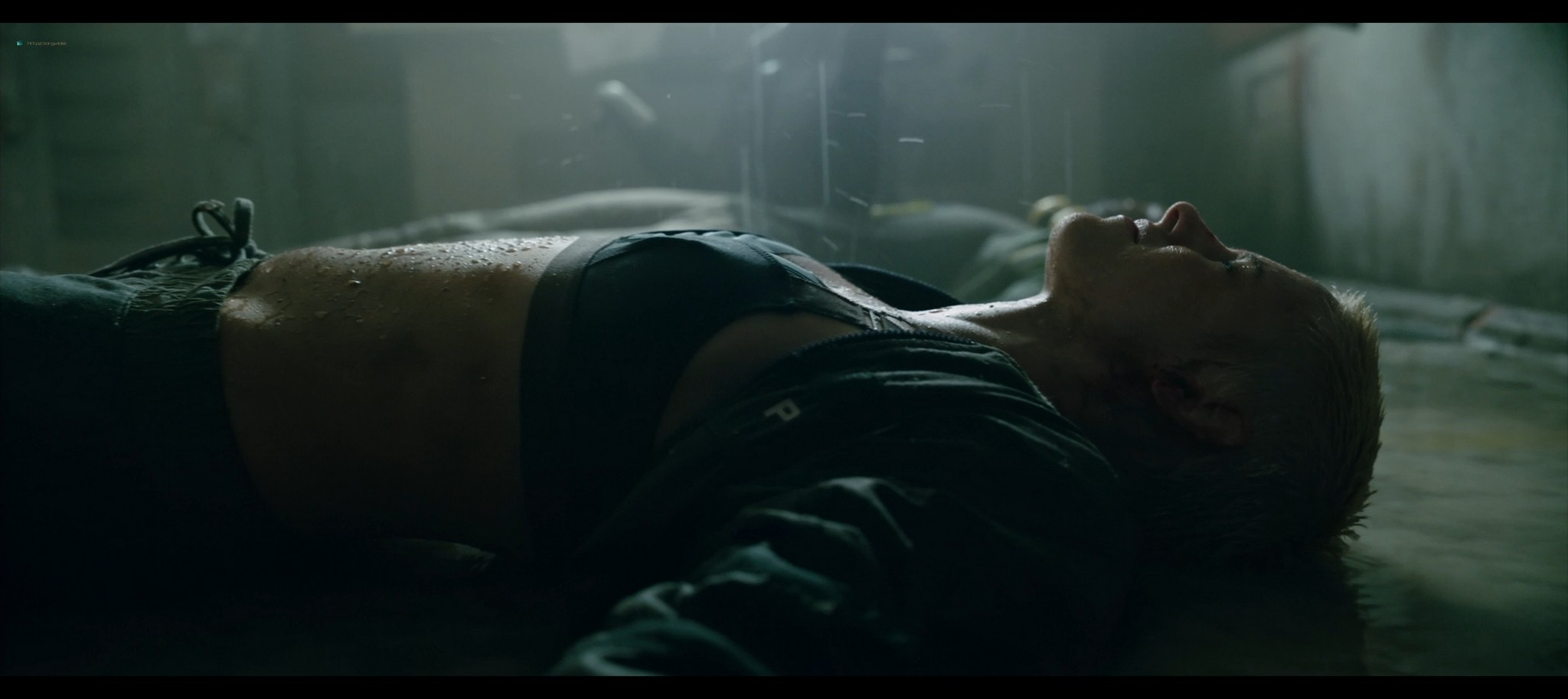 Kristen Stewart sexy Jessica Henwick hot Underwater 2020 HD 1080p BLuRay REMUX 7