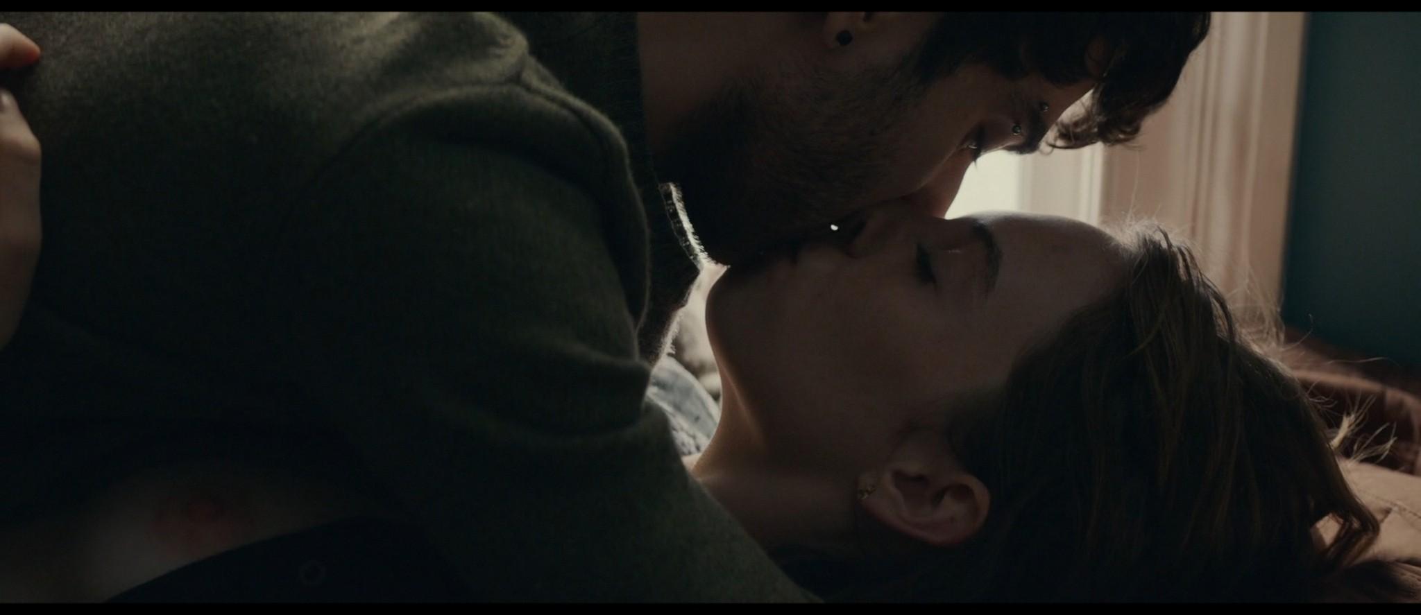 Maya Hawke nude niople and mild sex Marisa Tomei sexy - Human Capital (2019) HD 1080p (5)