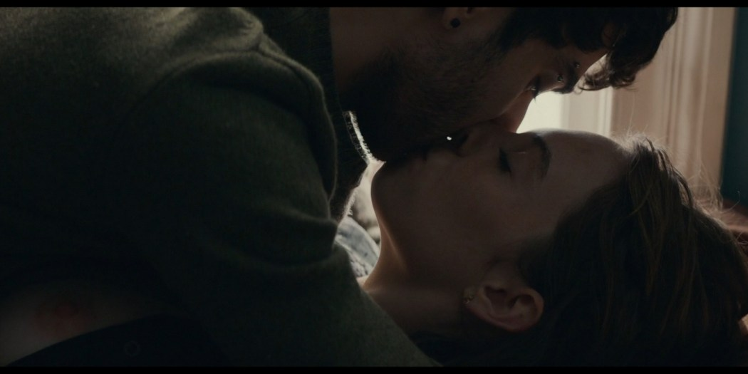 Maya Hawke nude nipple and mild sex Marisa Tomei sexy - Human Capital (2019) HD 1080p (5)