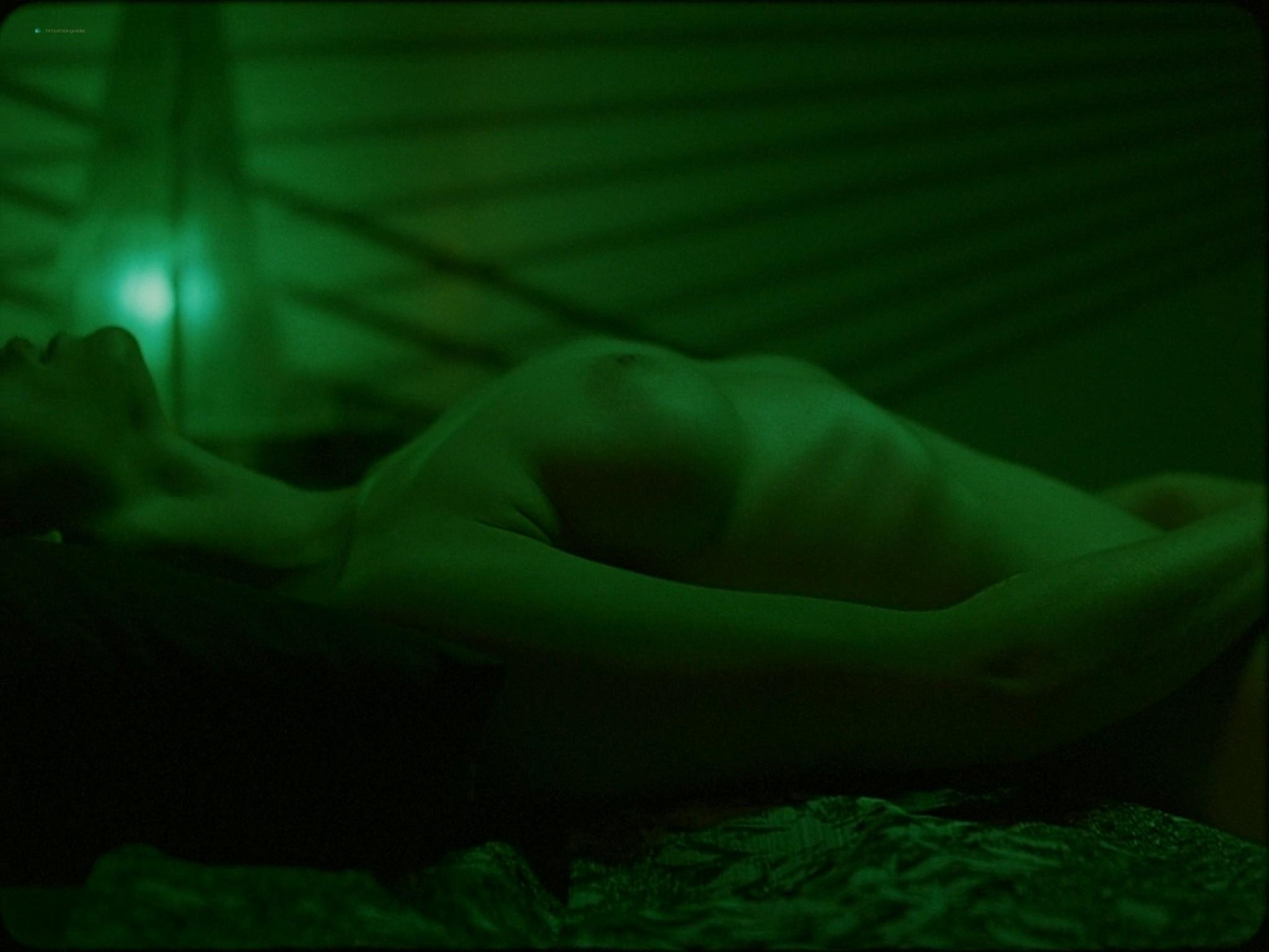 Sarah-Megan Allouch nude Mathilde Mennetrier nude sex - Les îles (2017) HD 1080p (4)
