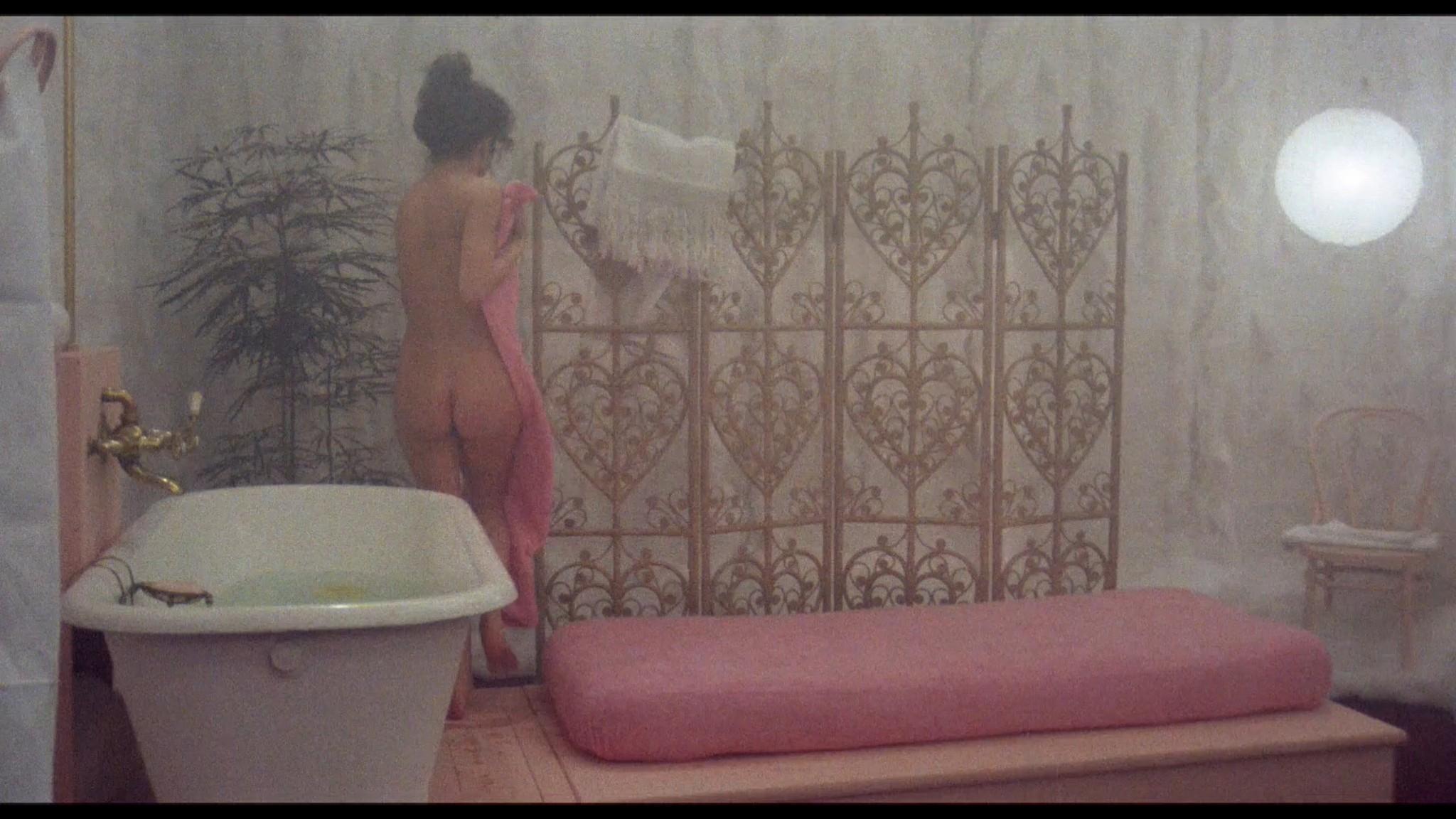 Clio Goldsmith nude full frontal Donatella Damiani sex - Honey (1981) HD 1080p BluRay (14)
