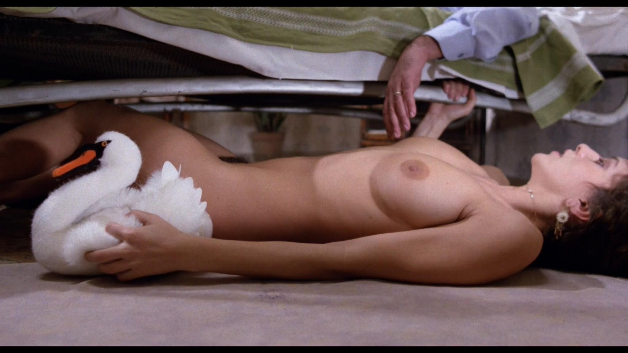 Clio Goldsmith nude full frontal Donatella Damiani sex - Honey (1981) HD 1080p BluRay (6)