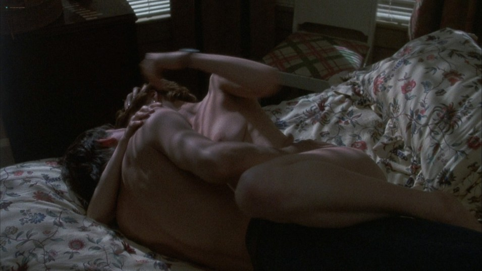 Ally Sheedy  nackt