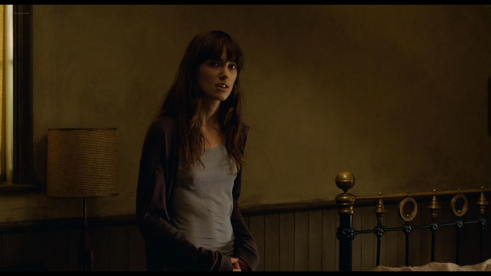 Anna Friel sexy Keira Knightley hot - London Boulevard (2011) HD 1080p BluRay (7)