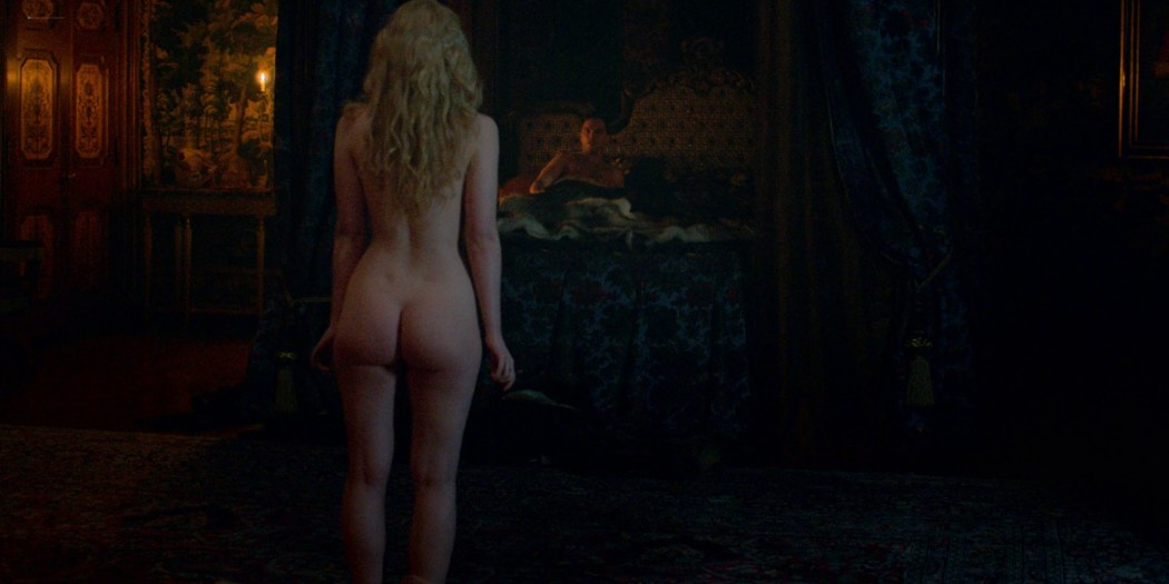 Elle Fanning nude butt and sex - The Great (2020) s1e1 UHD 2160p (3)