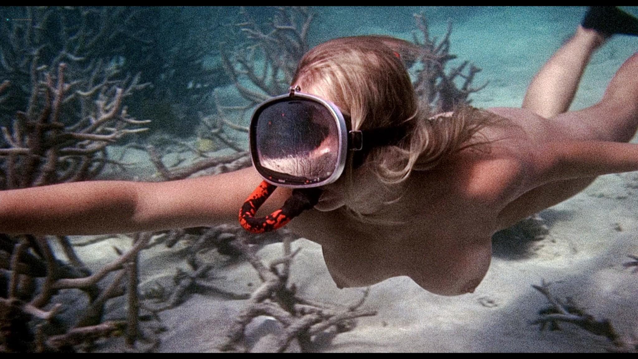 Helen Mirren nude skinny dipping Clarissa Kaye-Mason nude sex - Age of Consent (1969) HD 1080p BluRay Remux (12)