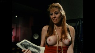 Jacquie Banan nude Maureen LaVette, Tani Barton and other nude too - Mind Trap (1989) HD 1080 BluRay