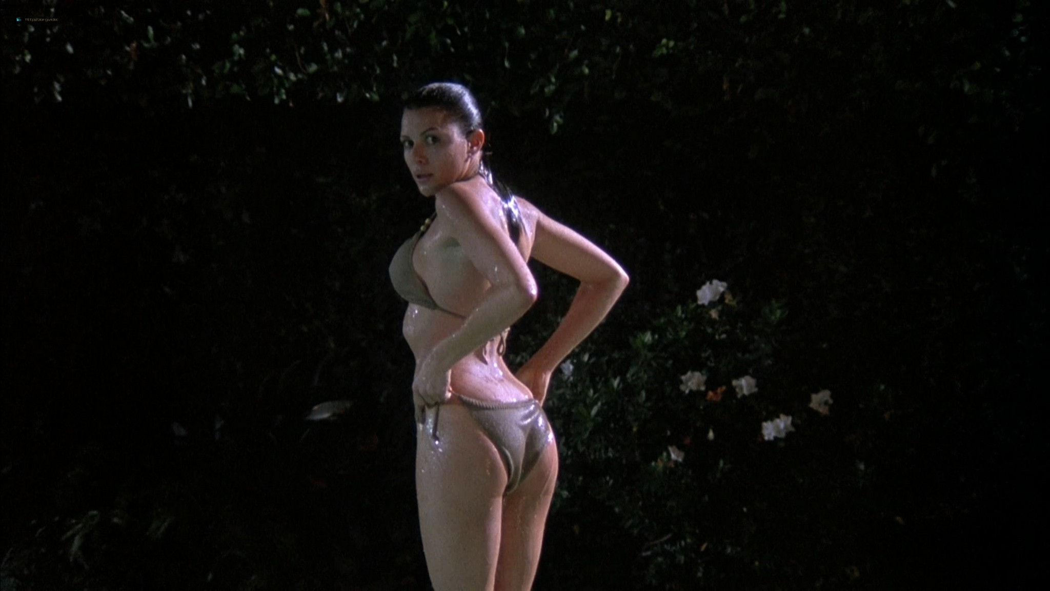Kari Wuhrer wet and hot Amy Lindsay and others nude sex - Final Examination (2003) HD 1080p Web (9)