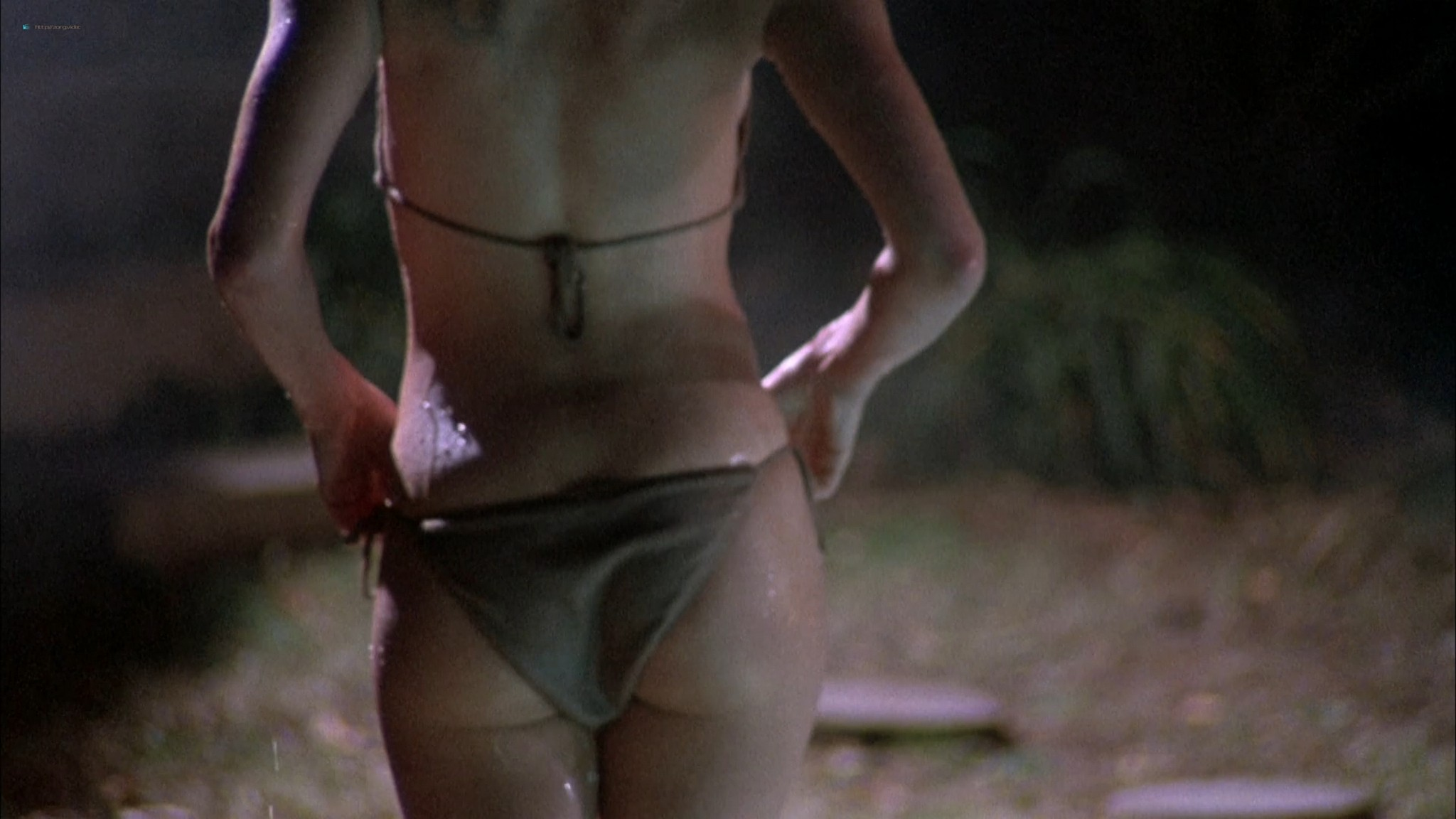 Kari Wuhrer wet and hot Amy Lindsay and others nude sex - Final Examination (2003) HD 1080p Web (6)