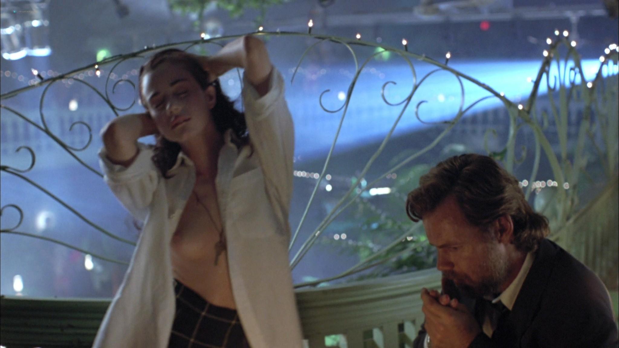 Mia Kirshner nude Arsinée Khanjian sexy - Exotica (1994) HD 1080p BluRay REMUX (11)