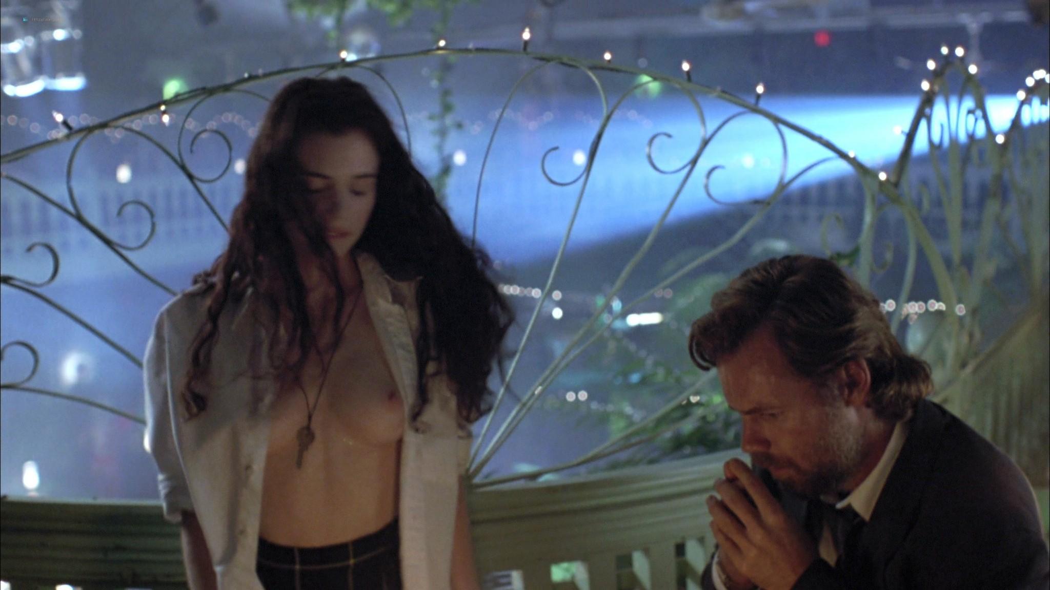 Mia Kirshner nude Arsinée Khanjian sexy - Exotica (1994) HD 1080p BluRay REMUX (7)