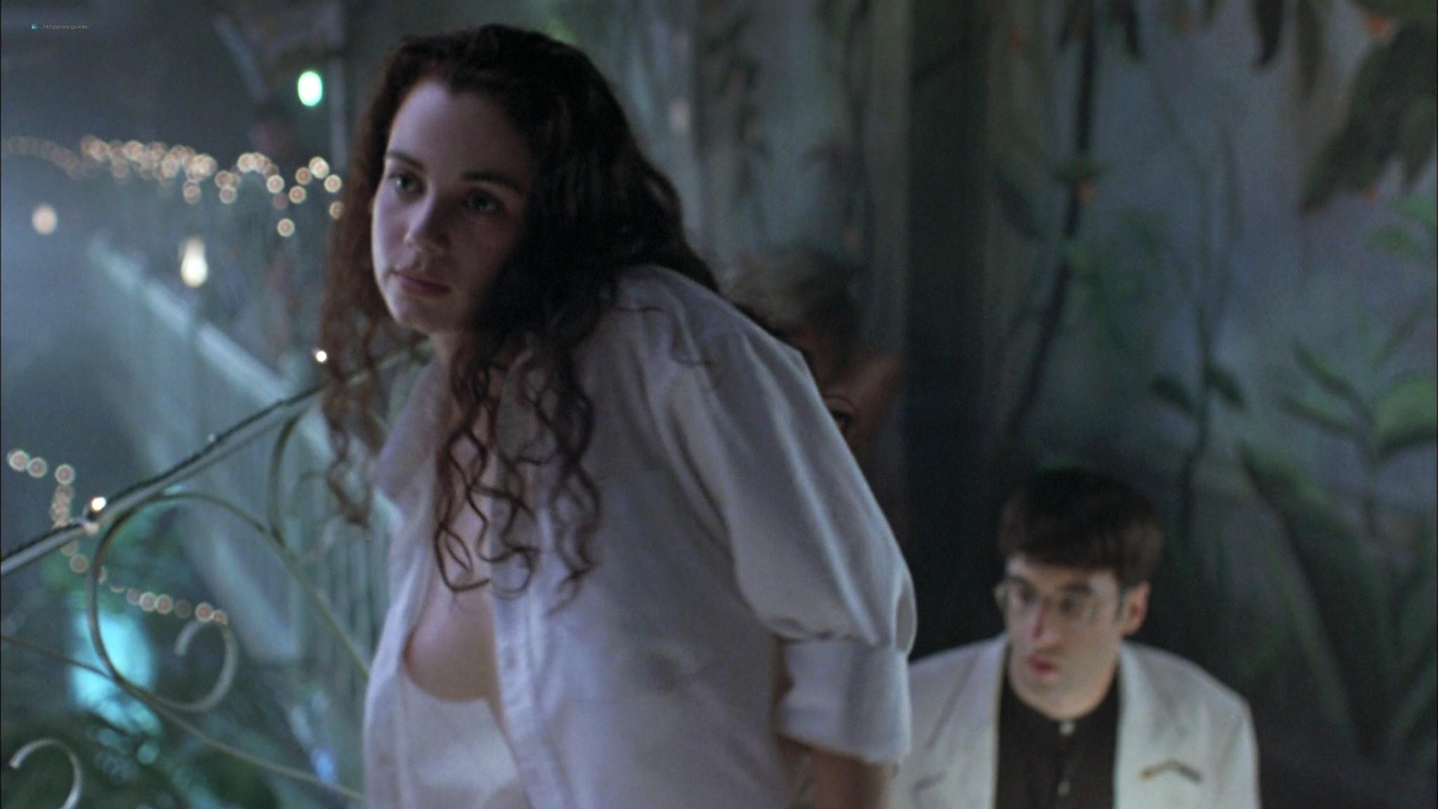 Mia Kirshner nude Arsinée Khanjian sexy - Exotica (1994) HD 1080p BluRay REMUX (5)