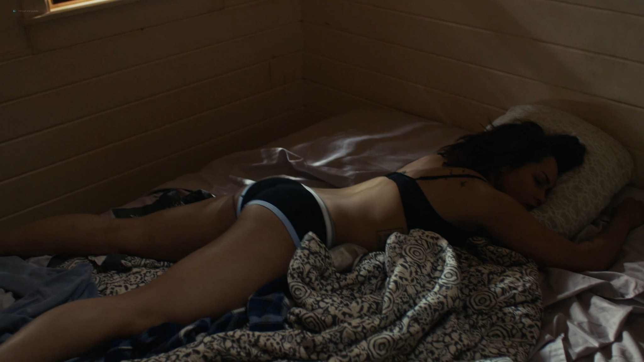 Riley Voelkel nude Caitlin Hammond sexy Monica Raymund sex - Hightown (2020) s1e1-2 HD 1080p (15)