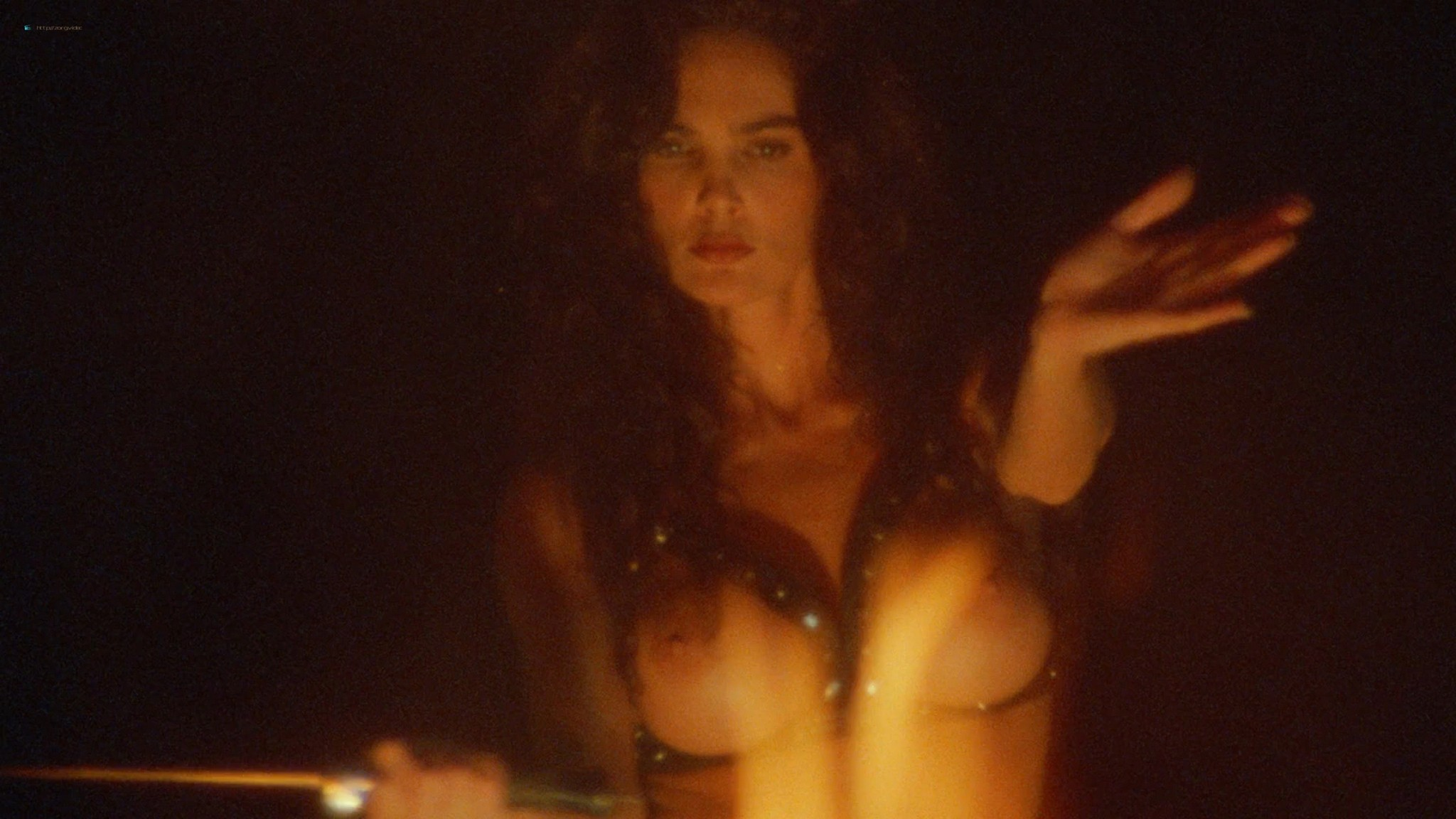 Suzi Simpson nude Julie Strain, Tai Collins and other nude too - Enemy Gold (1993) HD 1080p BluRay (10)