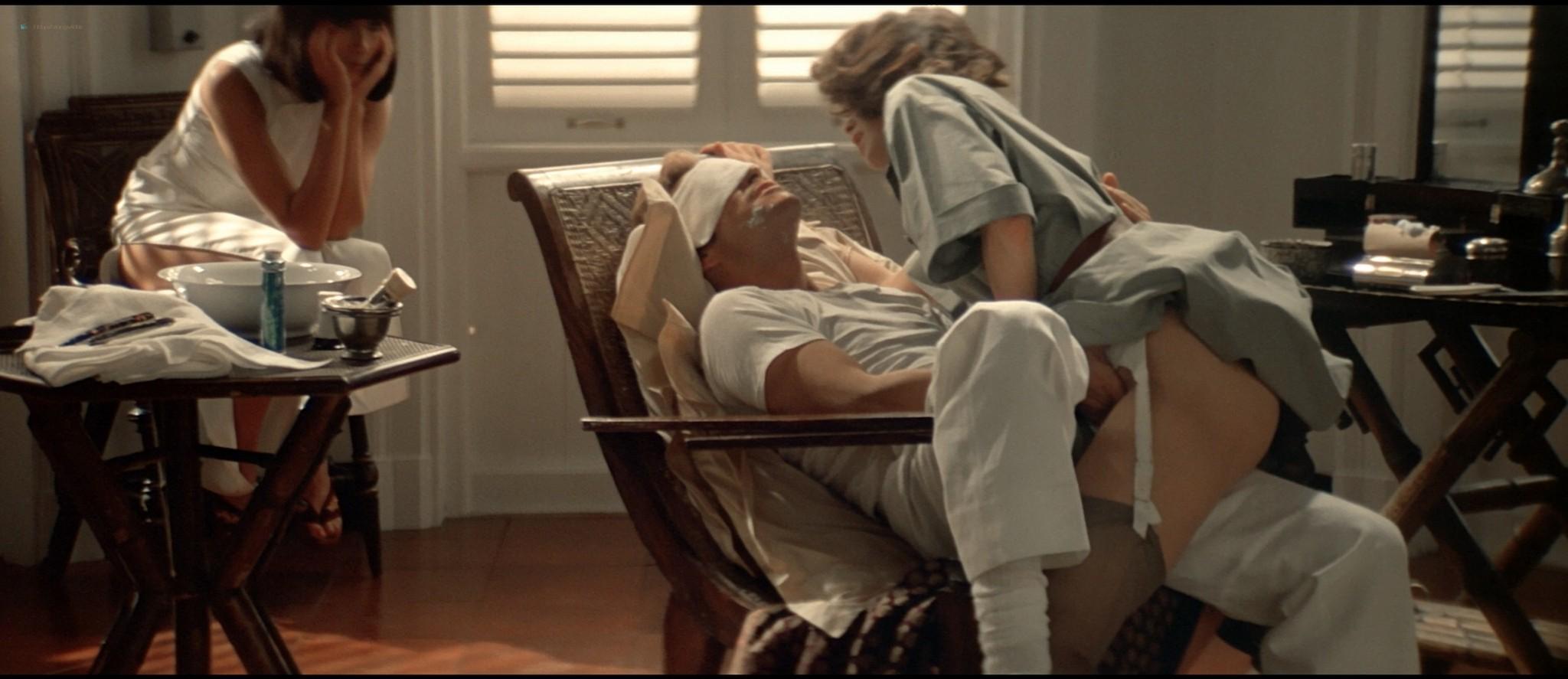 Sylvia Kristel nude sex threesome Catherine Rivet, Laura Gemser nude - Emmanuelle 2 (1975) HD 1080p REMUX (39)